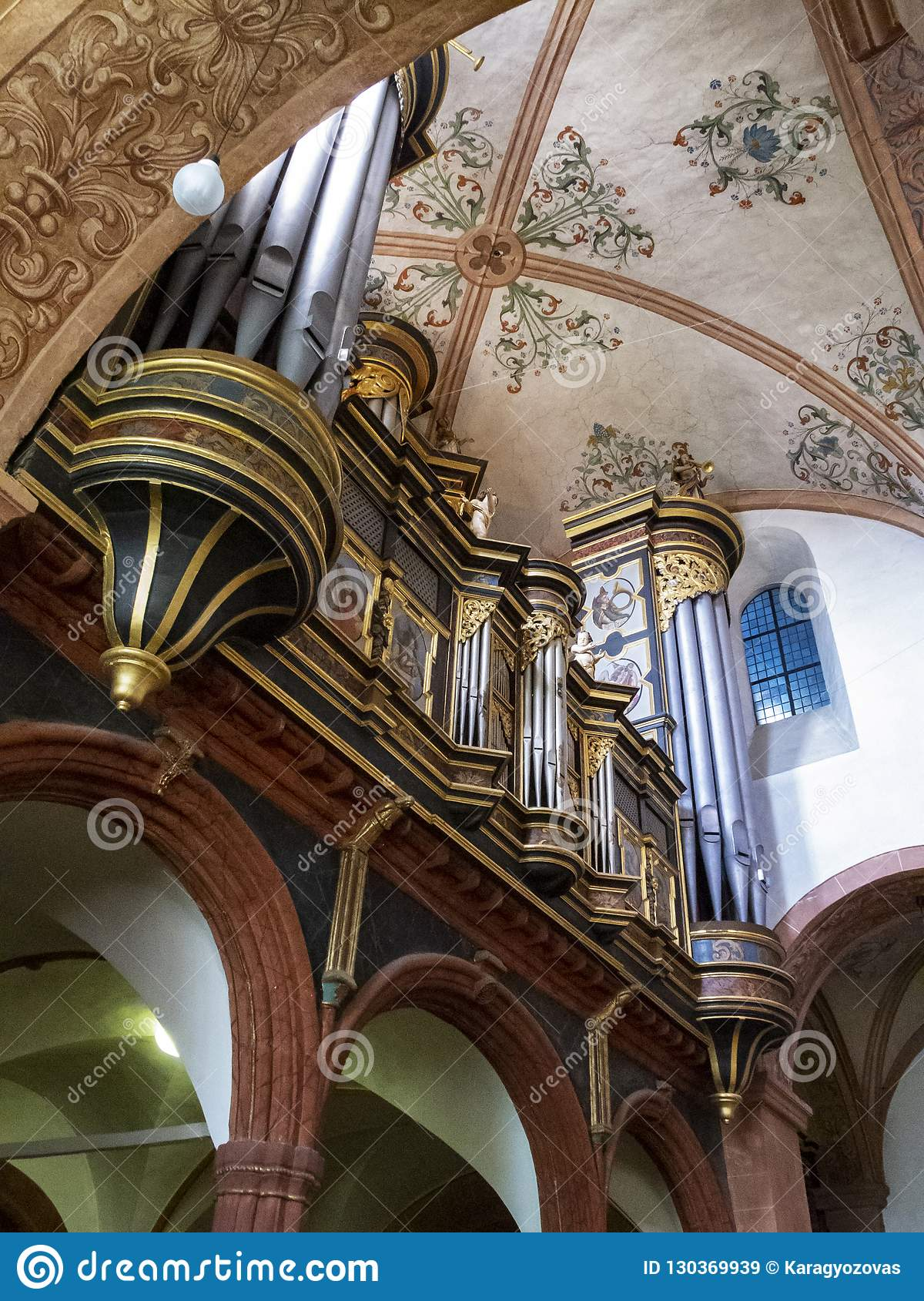 Le bel organe de tuyau baroque à la basilique de Steinfeld, une ancienne église d abbaye d abbaye de Steinfeld, chez Steinfeld da