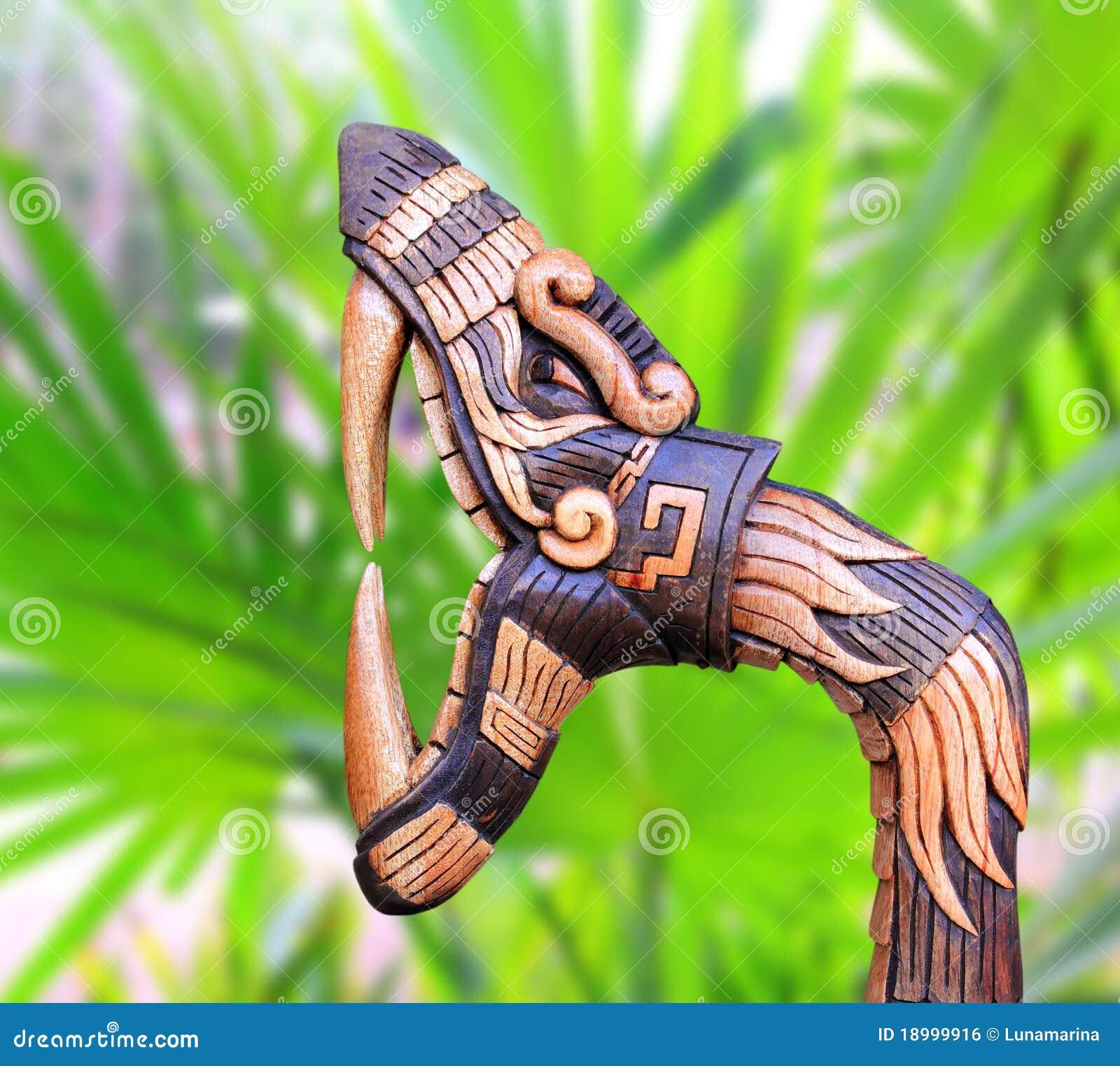 Le bois de symbole de serpent de Chichen Itza handcraft le Mexique