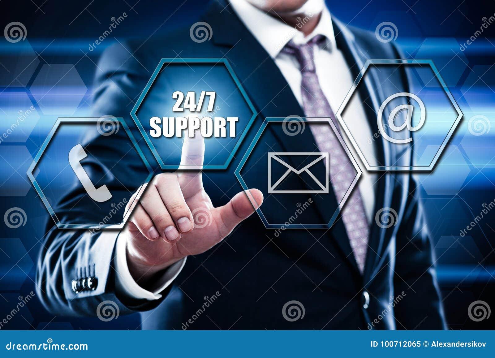 Le bouton de pressing d homme d affaires sur l interface d écran tactile et sélectionnent 24 appuis 7