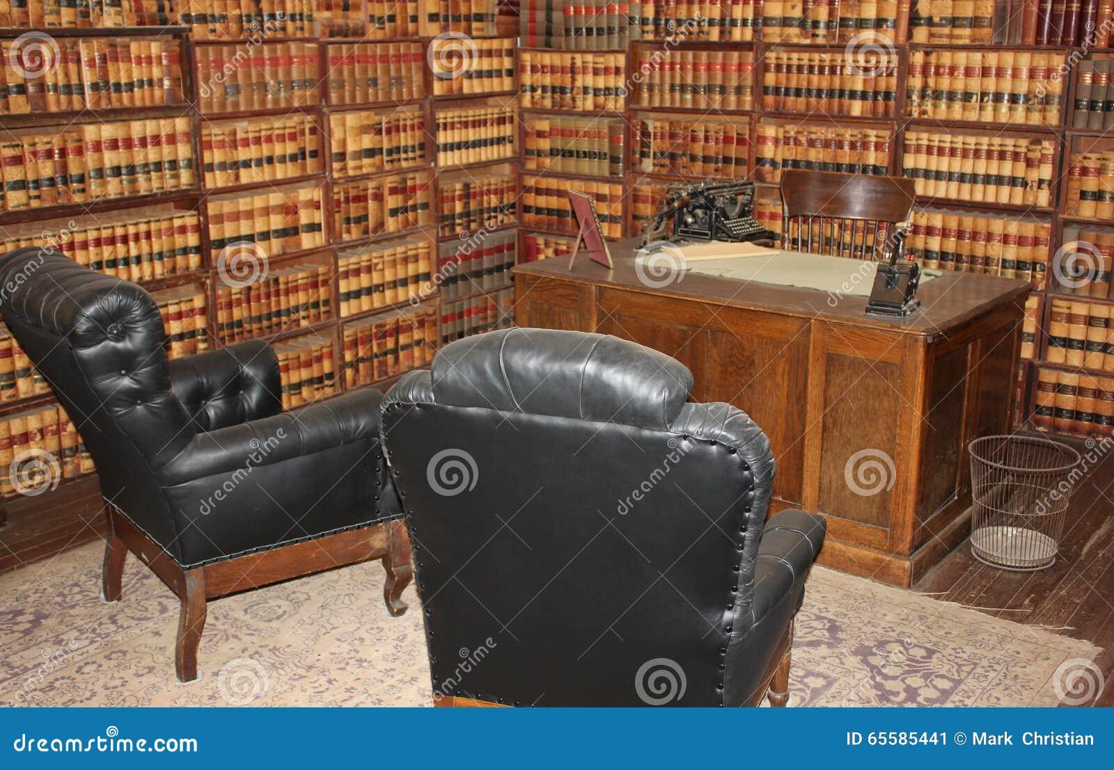 le bureau d 39 avocat historique from 1800 photo stock image 65585441. Black Bedroom Furniture Sets. Home Design Ideas