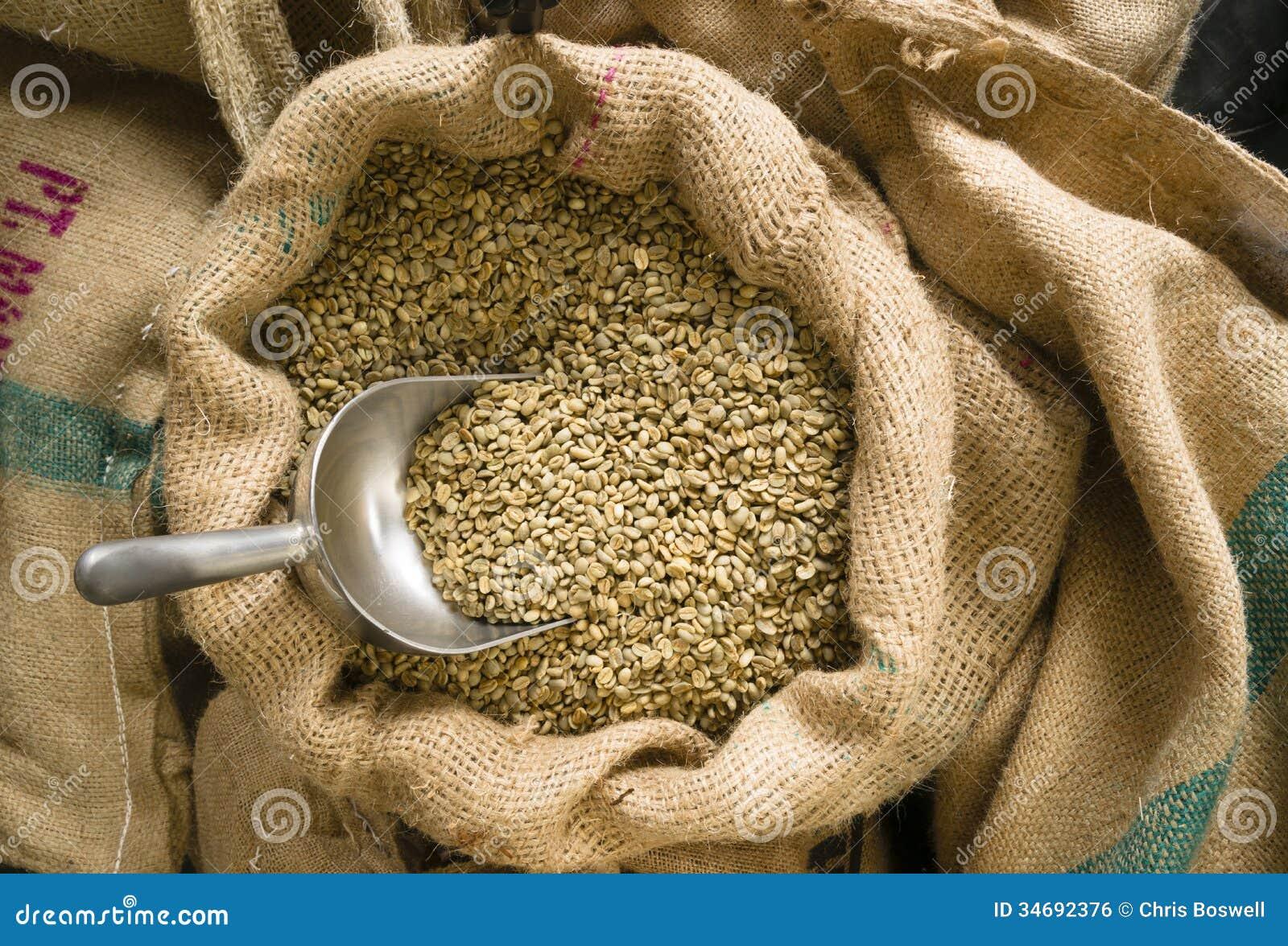 Le caf vert s me le haricot en vrac d 39 agriculture de sac - Sac de cafe en grain ...