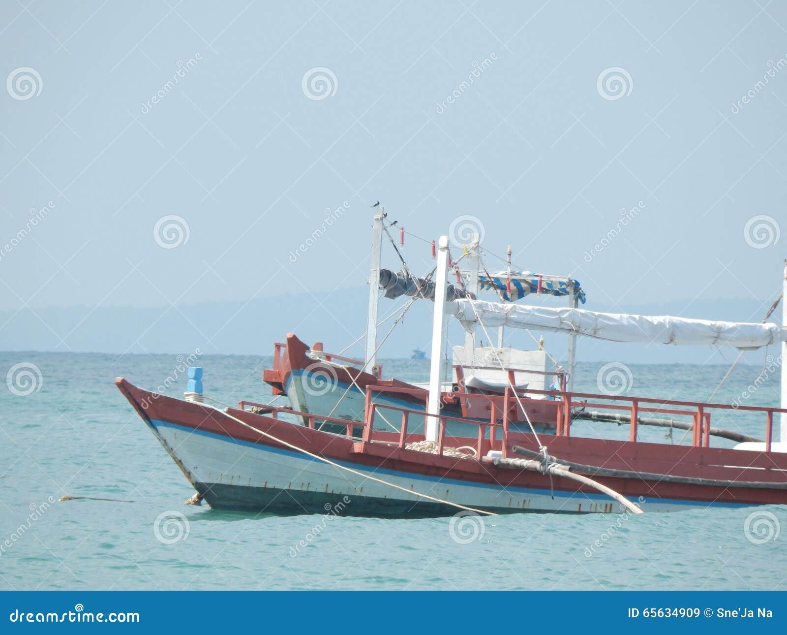 Le Cambodge, mer, été, bateau de pêche