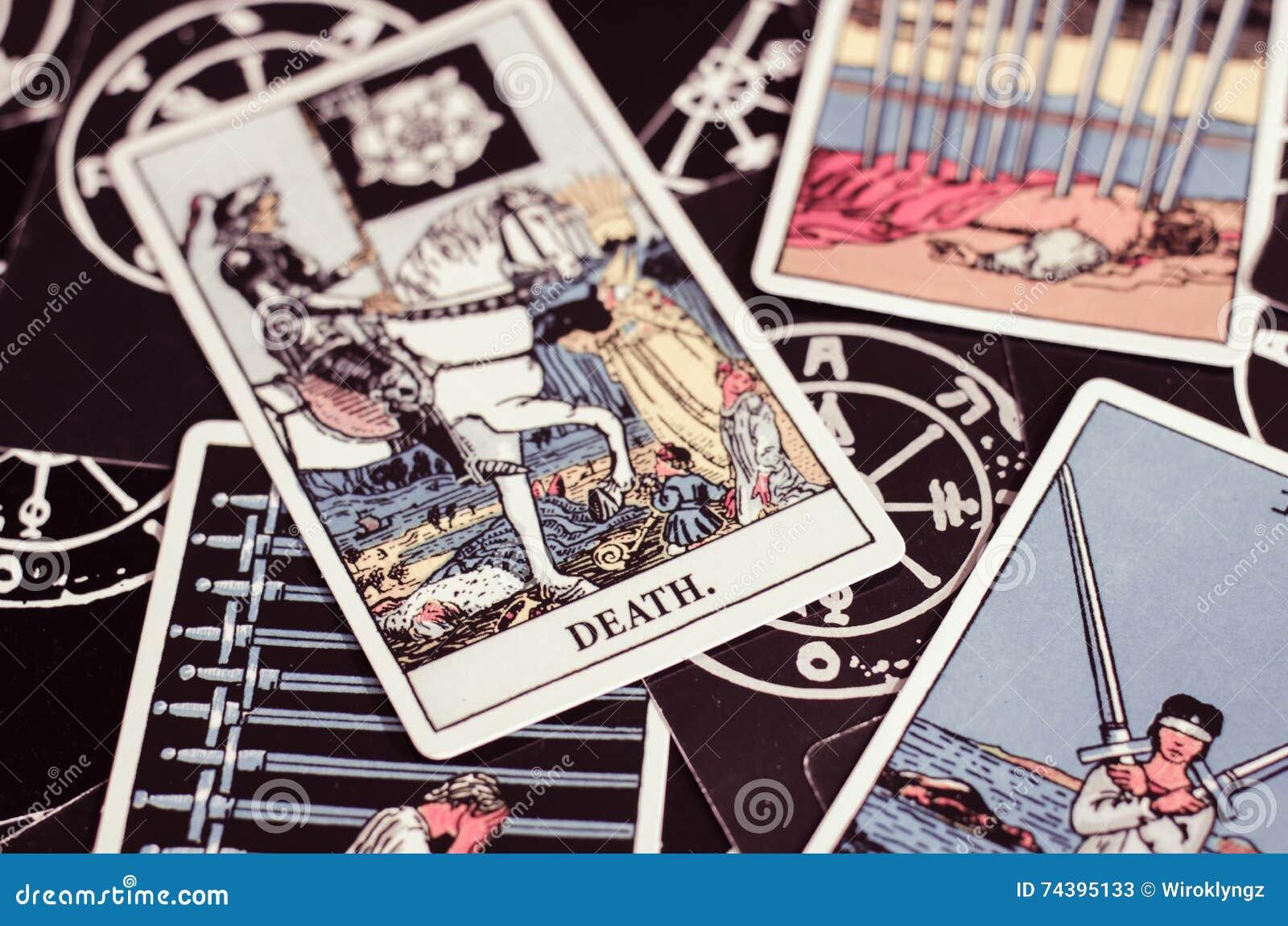 La Credenza Significato : Le carte di tarocchi la carta morte ed altre cattive