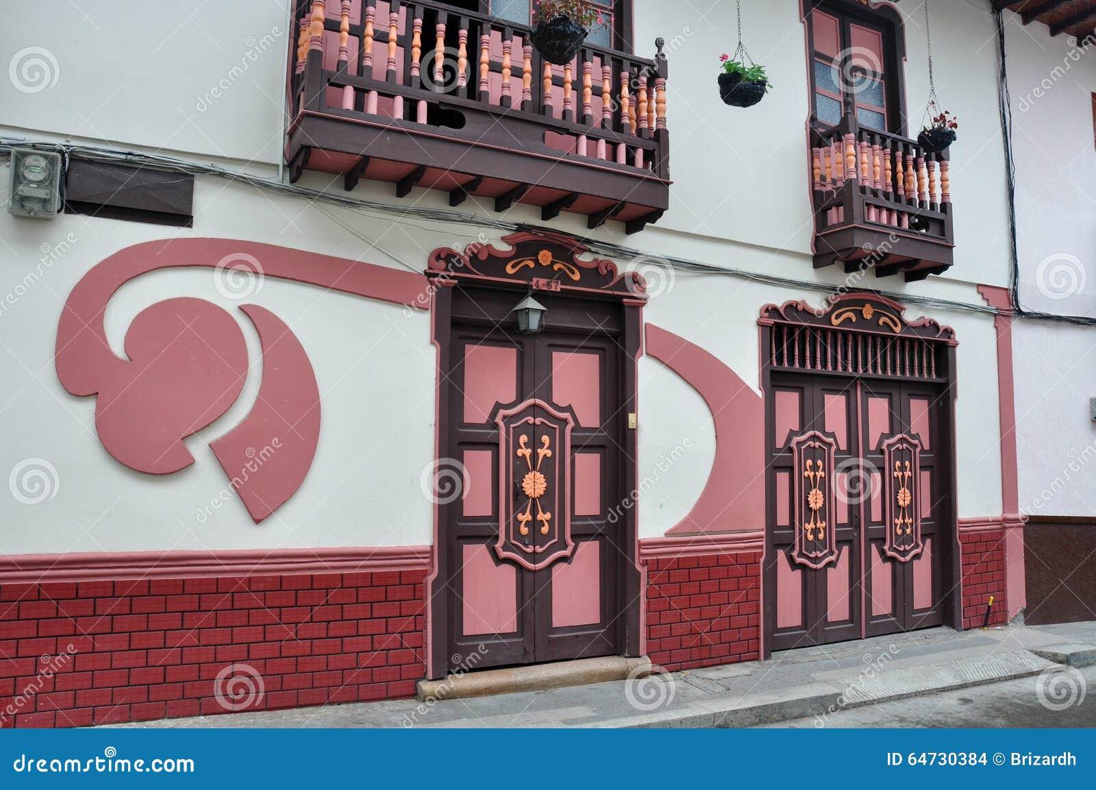 Le case colorate di Salamina in Colombia