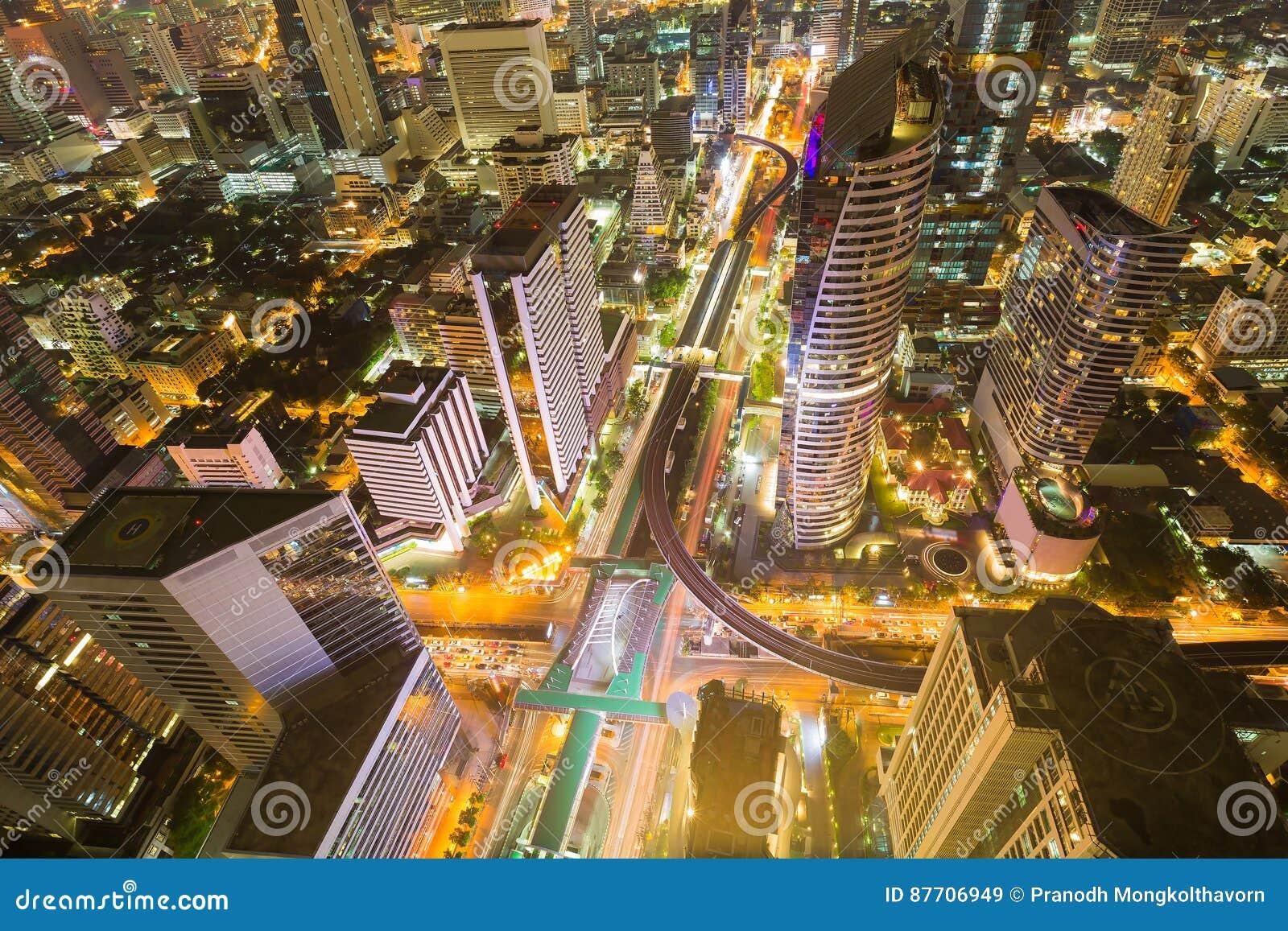 Le centre ville d affaires de ville de Bangkok de vue aérienne et intersection de route