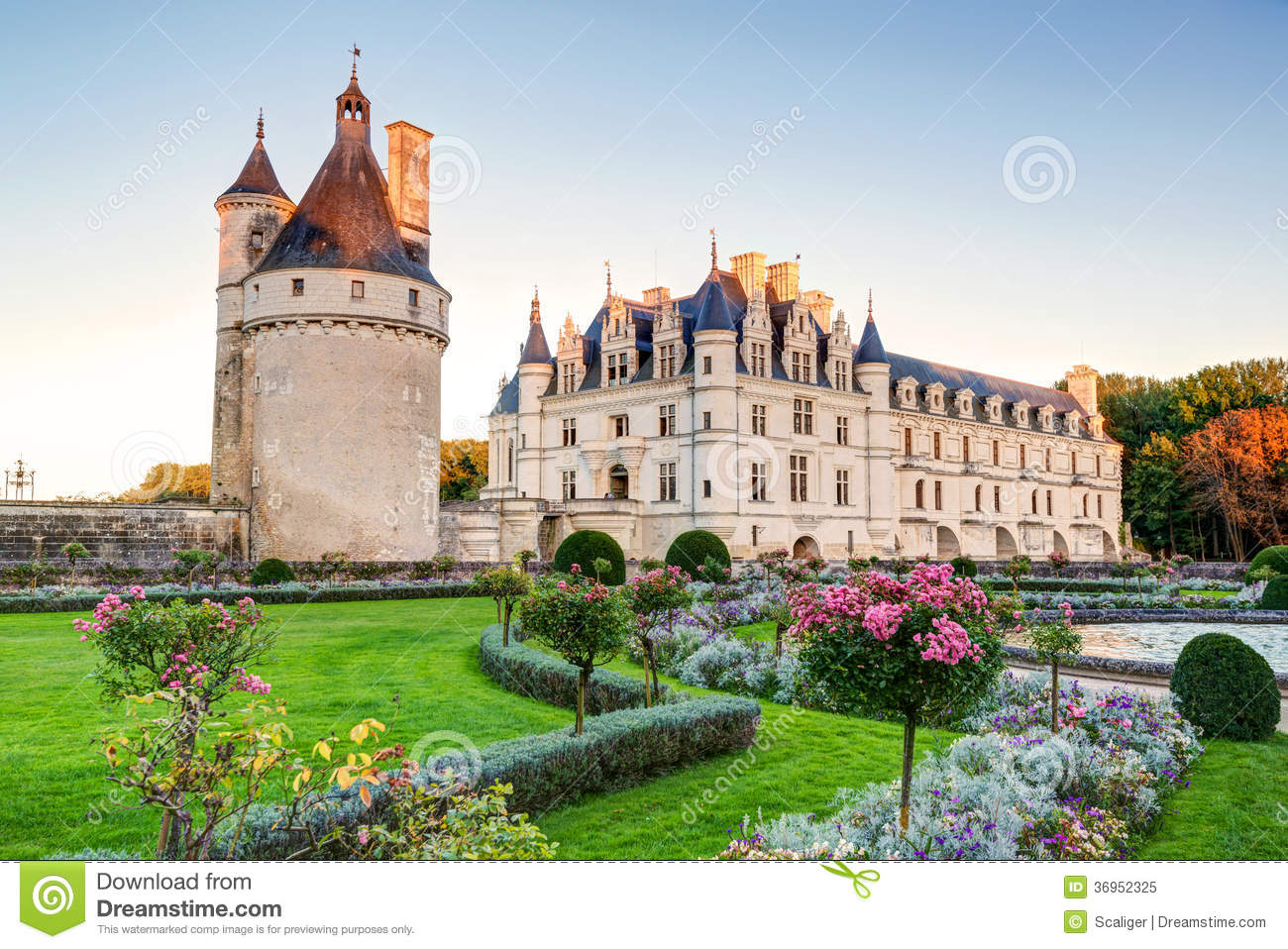 le ch teau de chenonceau au coucher du soleil france photo libre de droits image 36952325. Black Bedroom Furniture Sets. Home Design Ideas