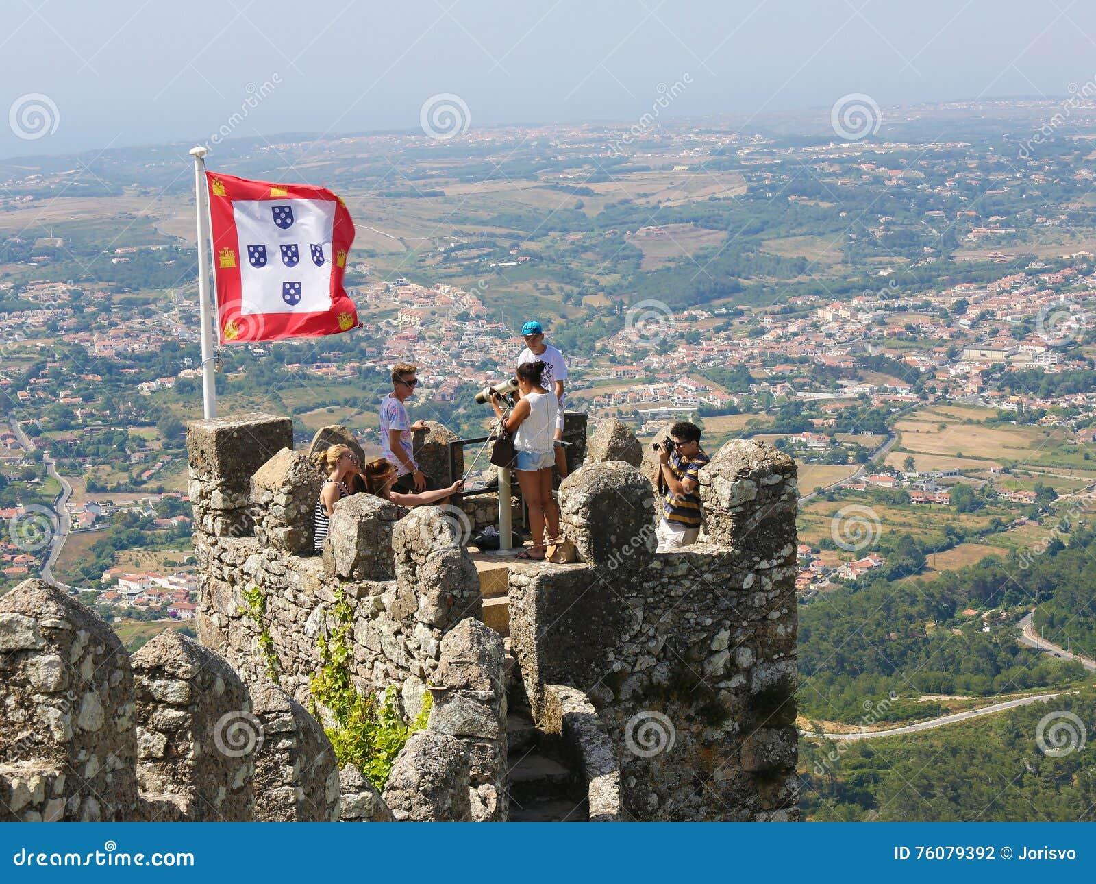 Le château du amarre dans Sintra, Portugal