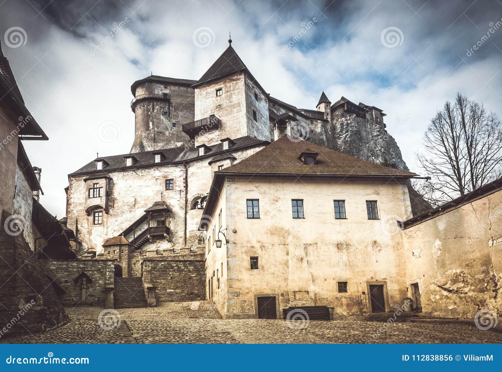 Le château médiéval d Orava, Slovaquie