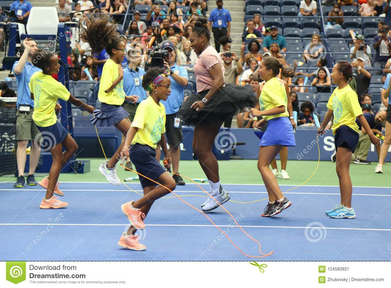 Le champion Serena Williams du Grand Chelem 23-time participe à l US Open d Arthur Ashe Kids Day avant 2018