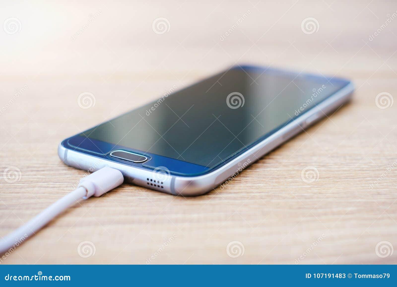 Brancher le téléphone cellulaire à la voiture NY minute datant