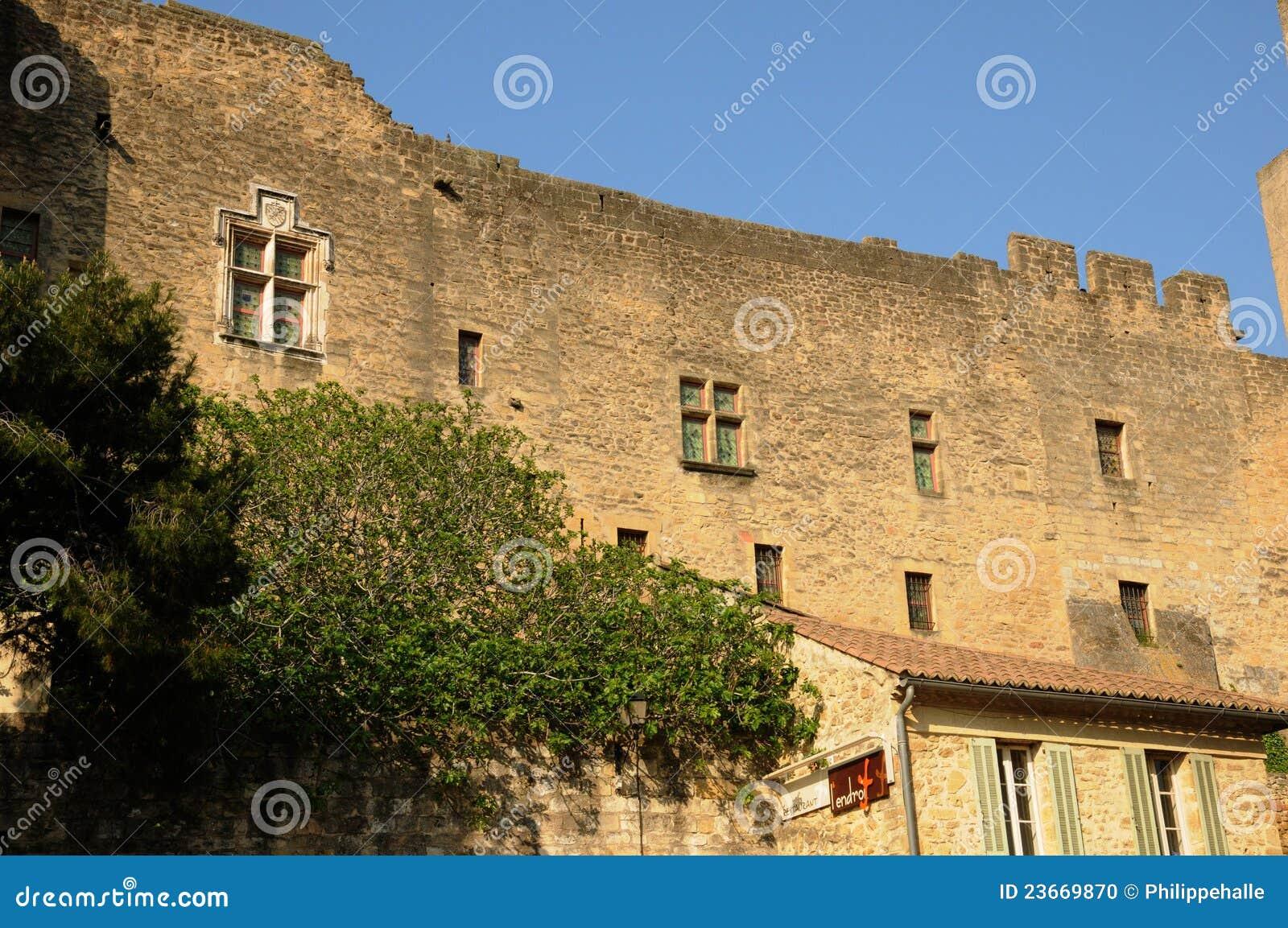 Le chateau de l emperi in salon de provence stock photo - Ch salon de provence ...