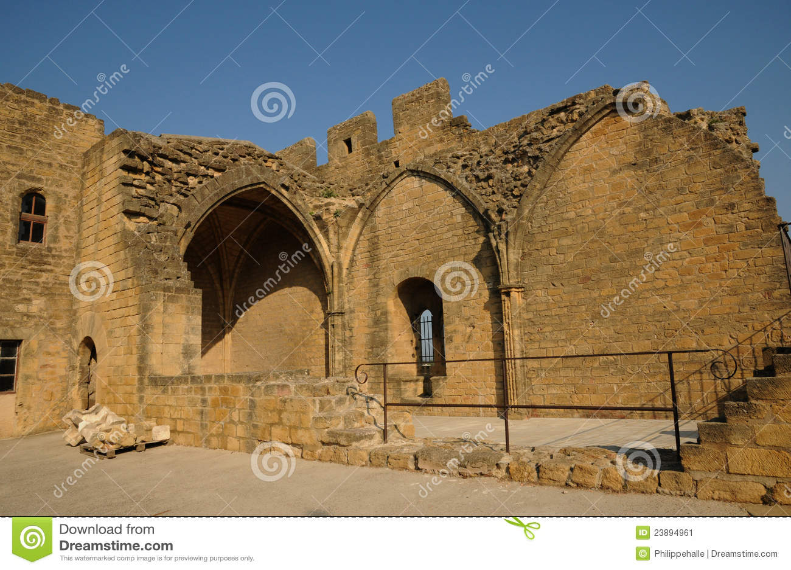Le chateau de l emperi in salon de provence stock image for Salon de provence