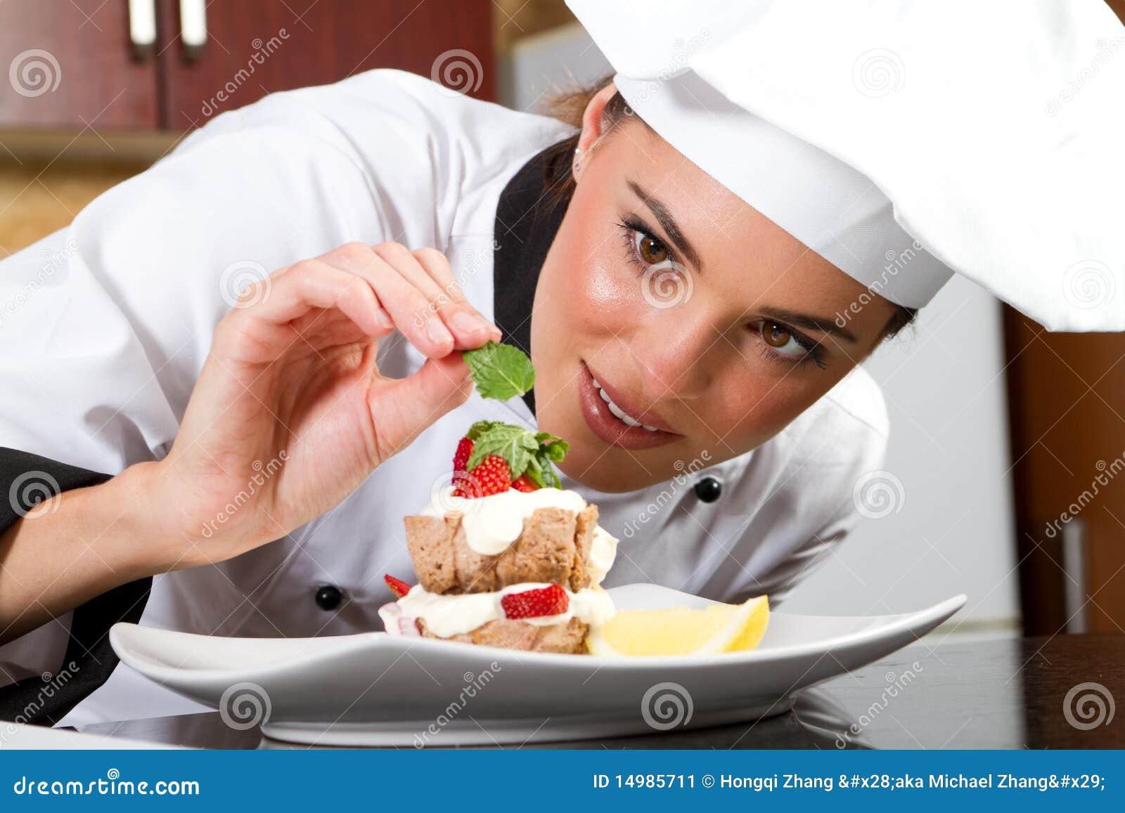 Le chef garnissent le paraboloïde