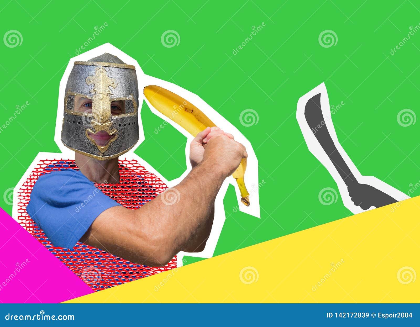 Le chevalier comique avec une banane au lieu d une épée est protégé contre un ennemi fictif
