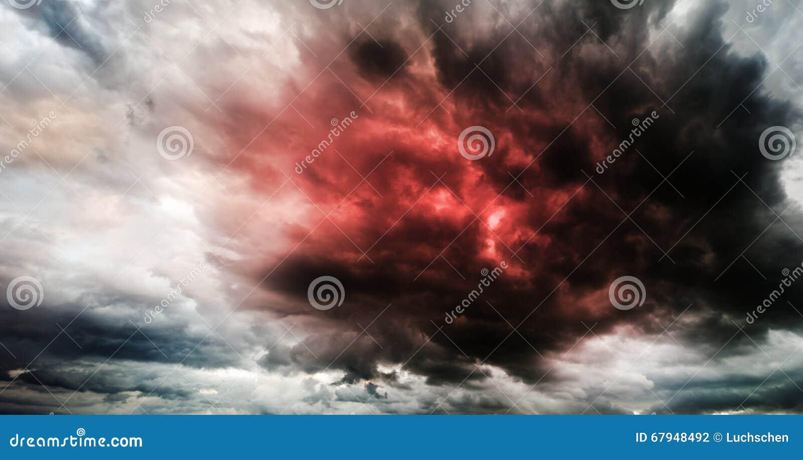 Le ciel fantastique présage l apocalypse