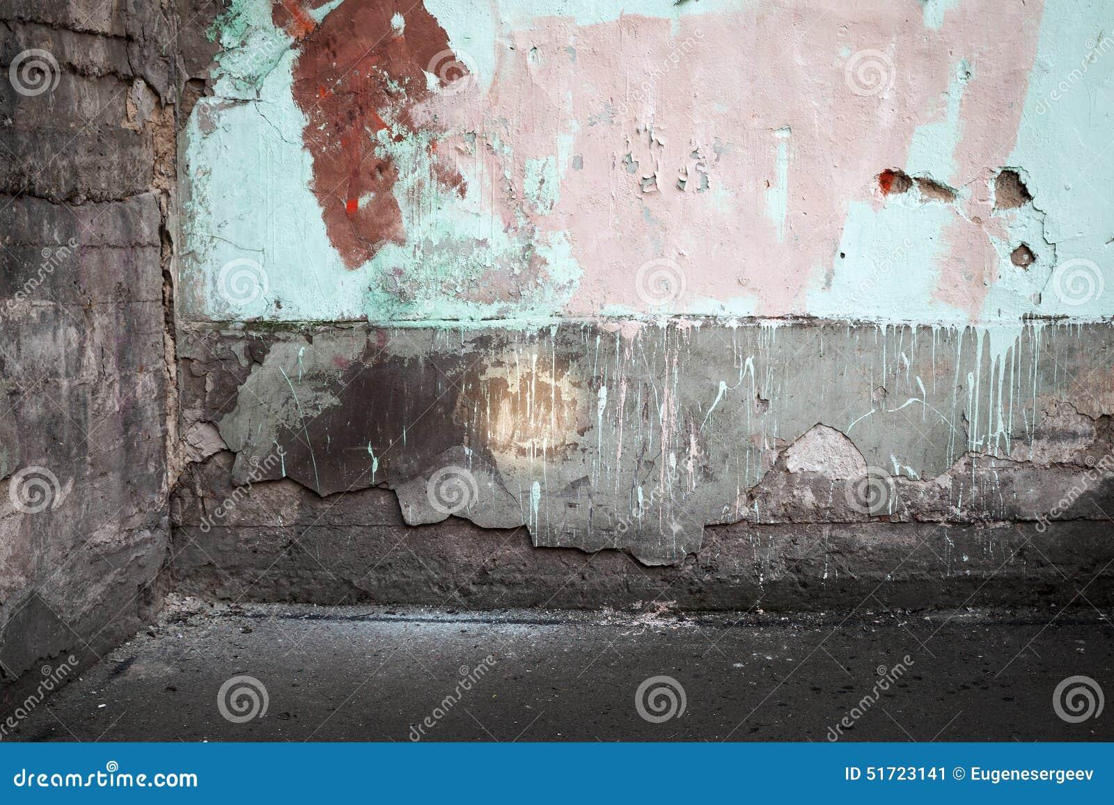 Le coin d un abstrait vident l intérieur urbain abandonné
