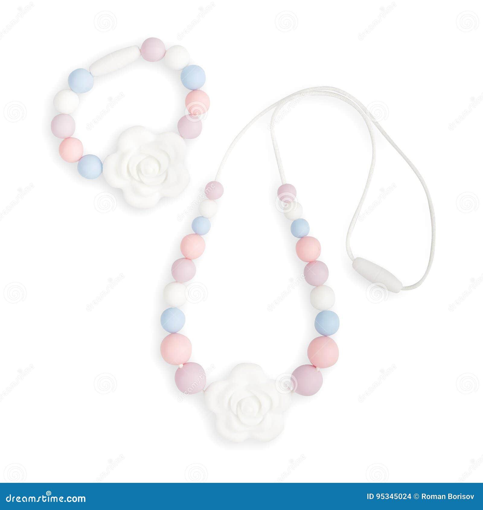 Le collier de dentition de bébé, le collier de mère de soins de perles et les enfants jouent