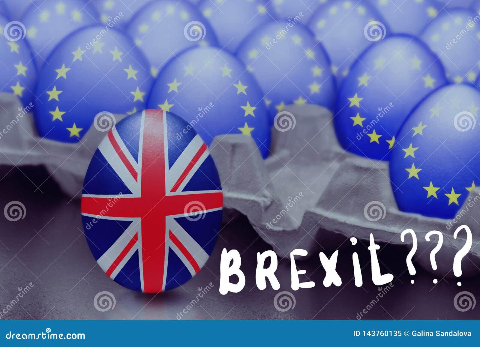 Le concept de Brexit est présenté de l oeuf sautant avec un drapeau britannique hors de la boîte avec des oeufs avec le drapeau d