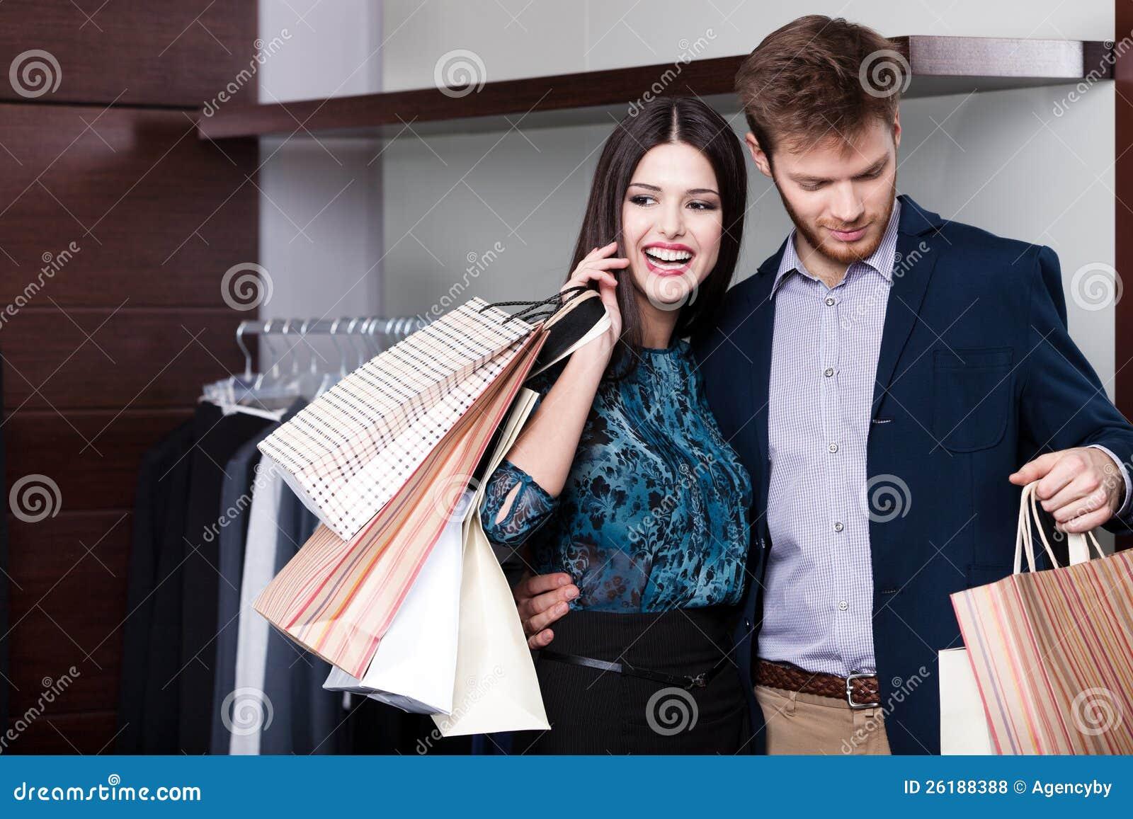 Le couple est dans le système de vente