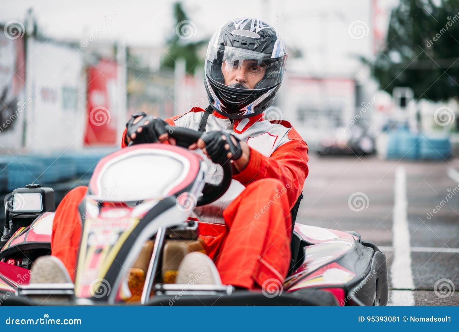 Le coureur de Karting dans l action, vont concurrence de kart