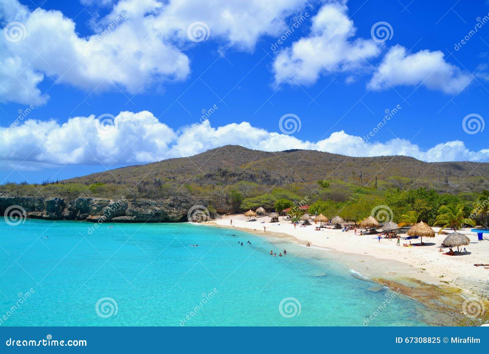 Le Curaçao échouent