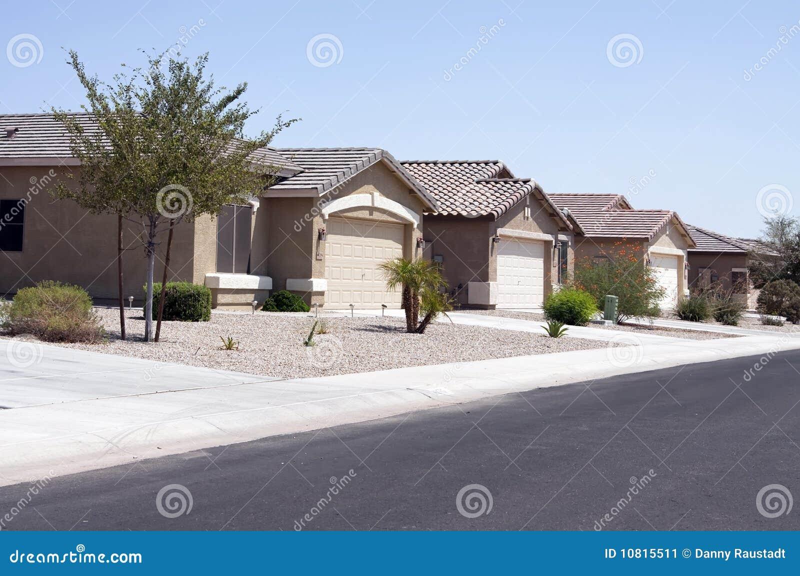 Le désert moderne neuf autoguide le voisinage