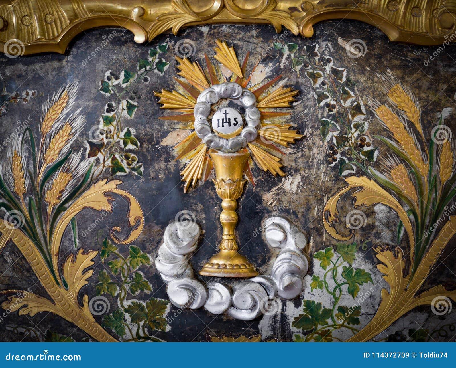Le détail d un autel d abbaye peint en or avec a dépeint l Eucha