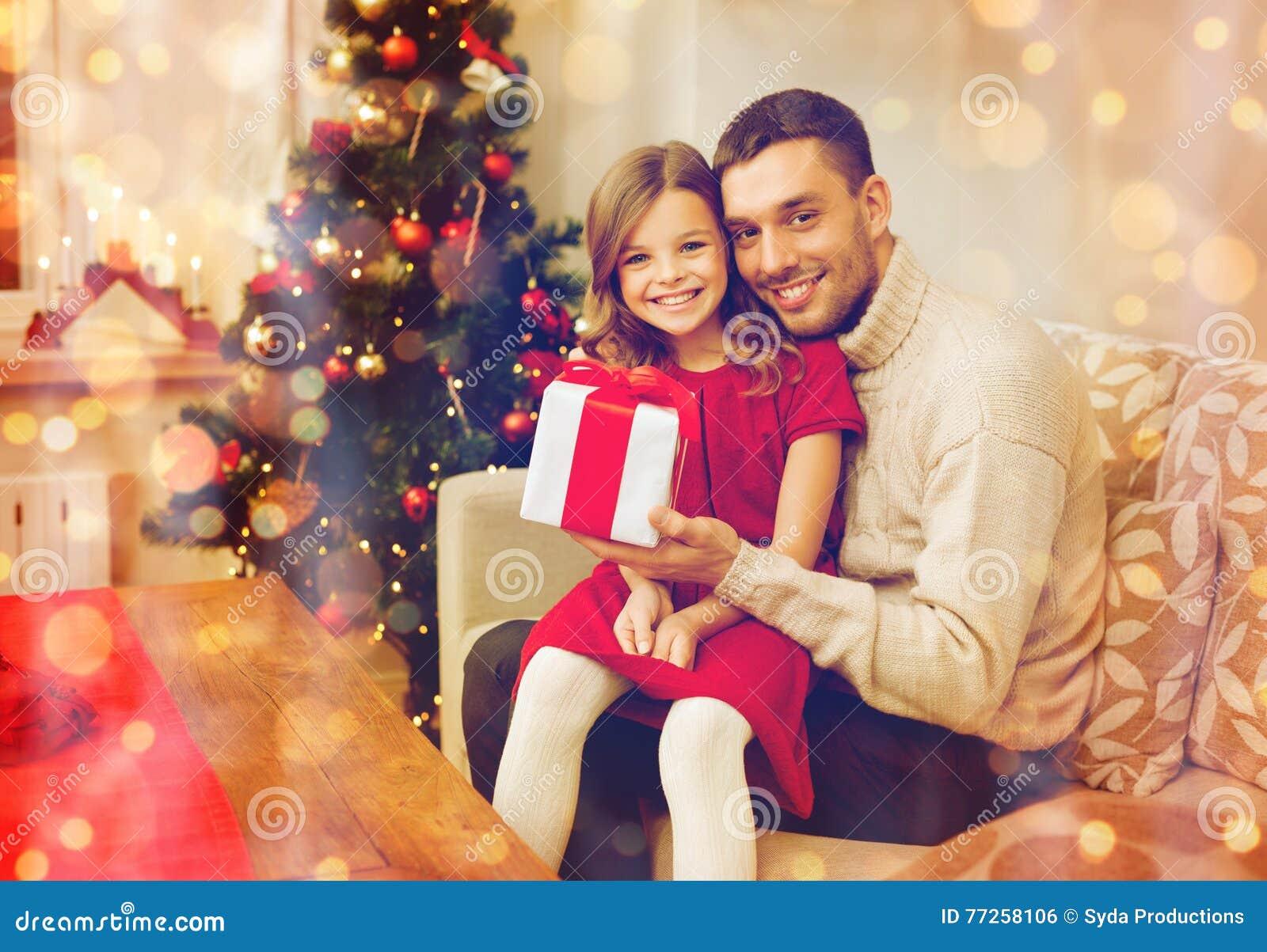 Le den hållande gåvaasken för fader och för dotter