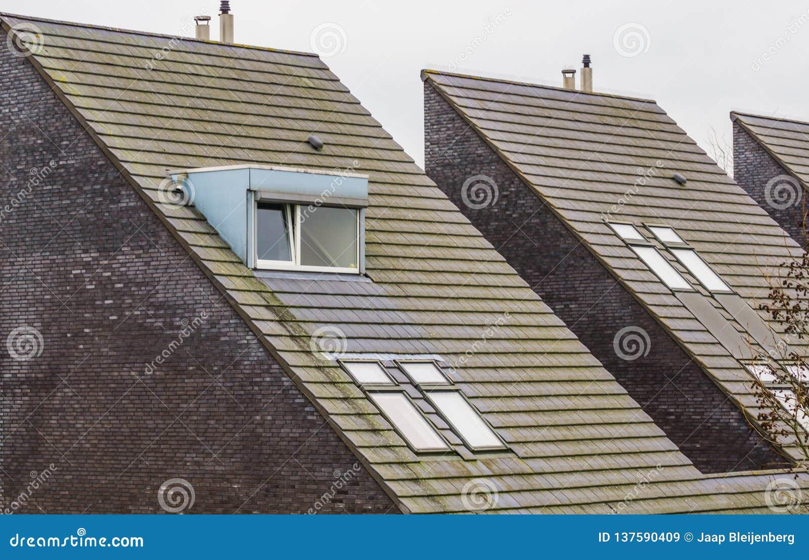 Le Dessus De Toit D\'une Triangle Néerlandaise Moderne A ...