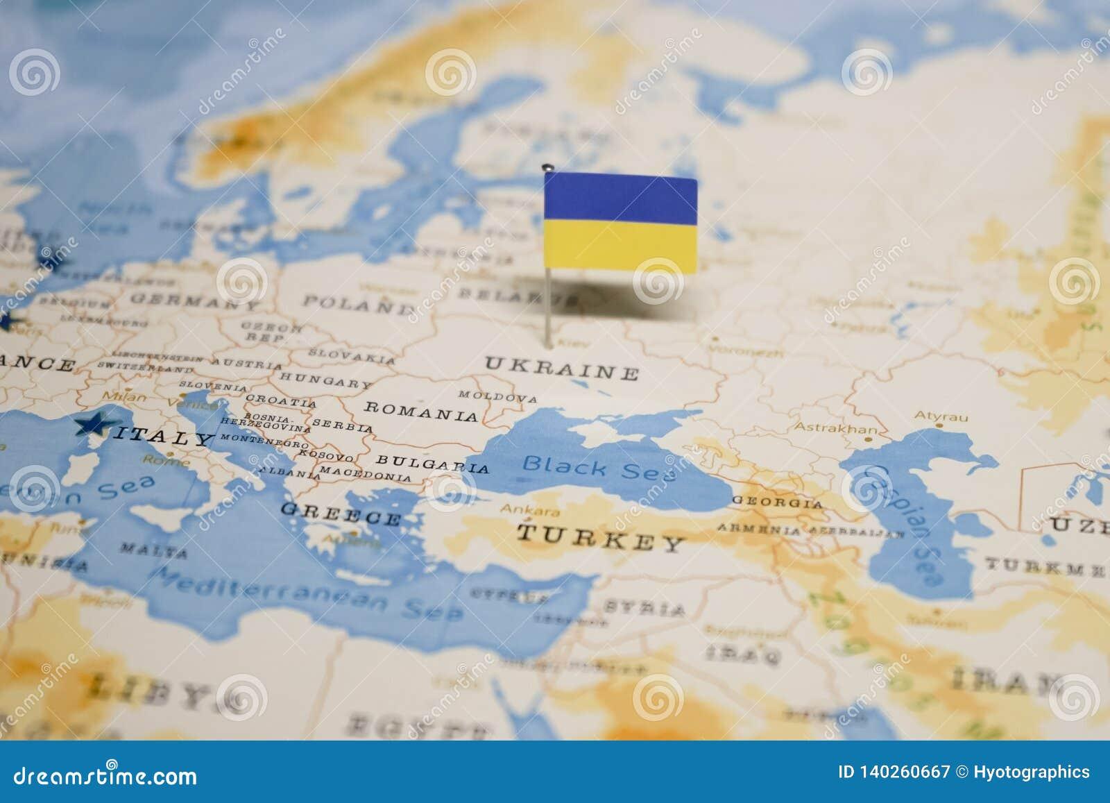 Ukraine Carte Du Monde.Le Drapeau De L Ukraine Dans La Carte Du Monde Image Stock