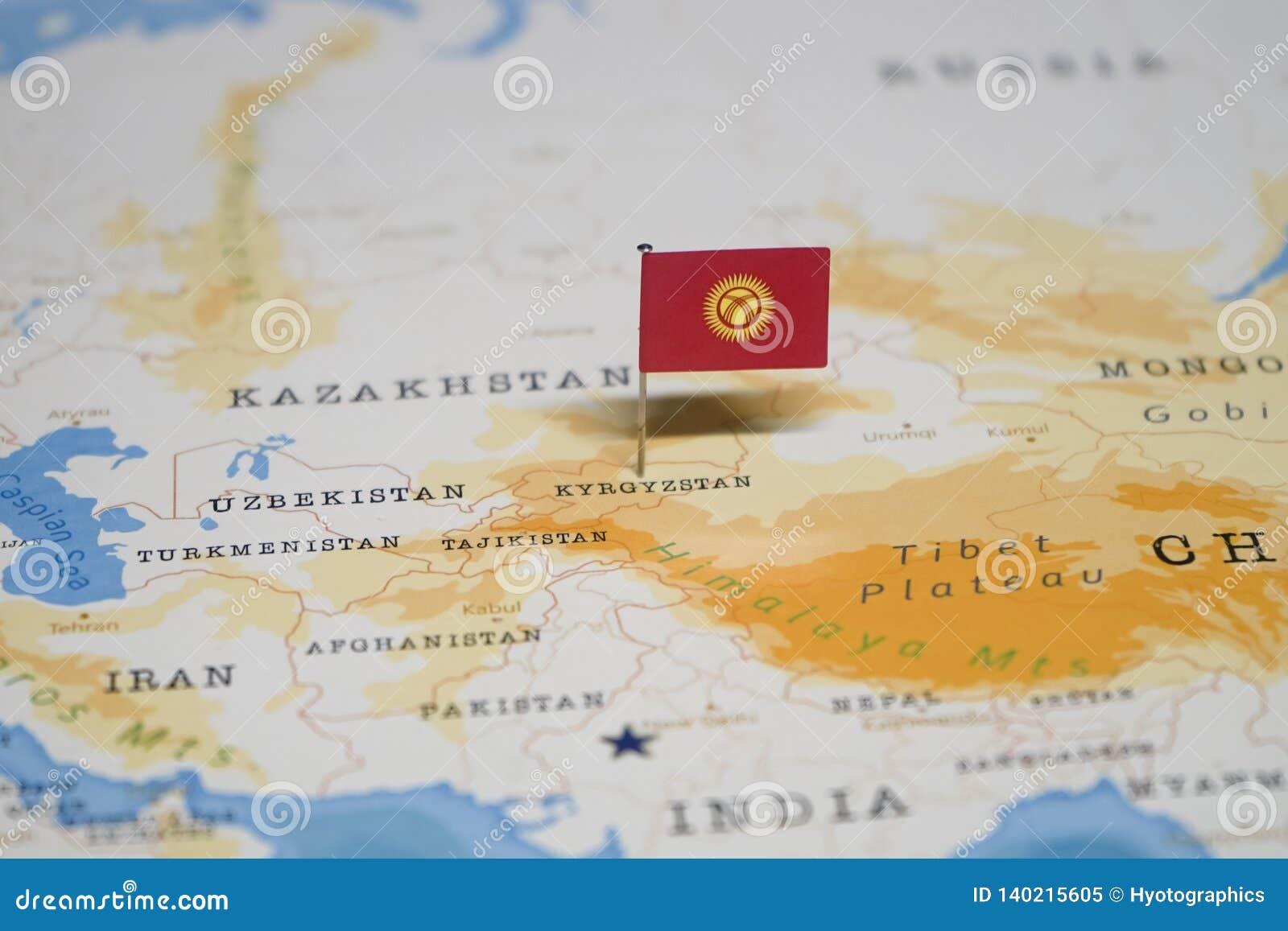 Carte Du Monde Kirghizistan.Le Drapeau Du Kirghizistan Dans La Carte Du Monde Image