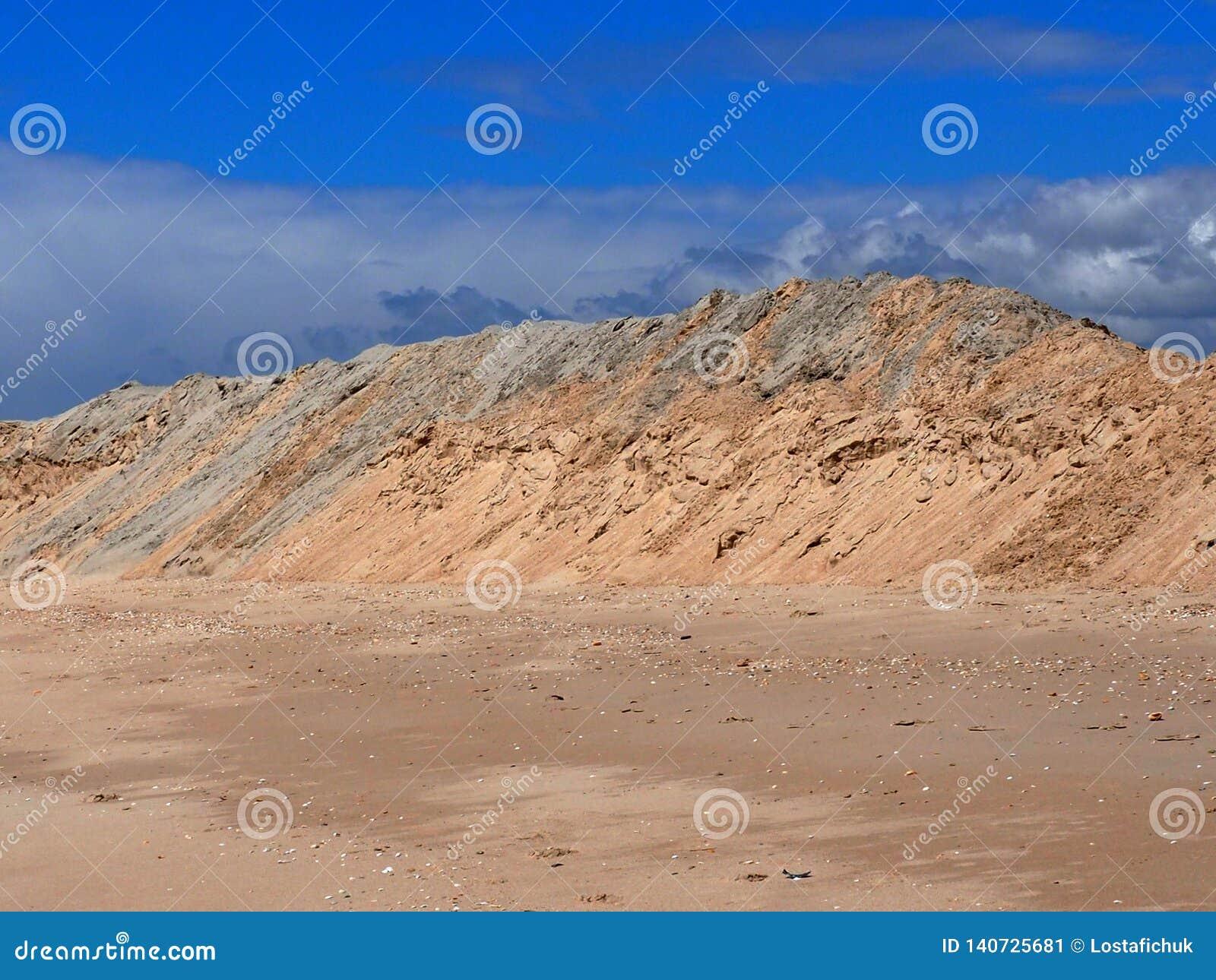 Le dune di sabbia sulla spiaggia a Praia fanno Barril Tavira Portogallo