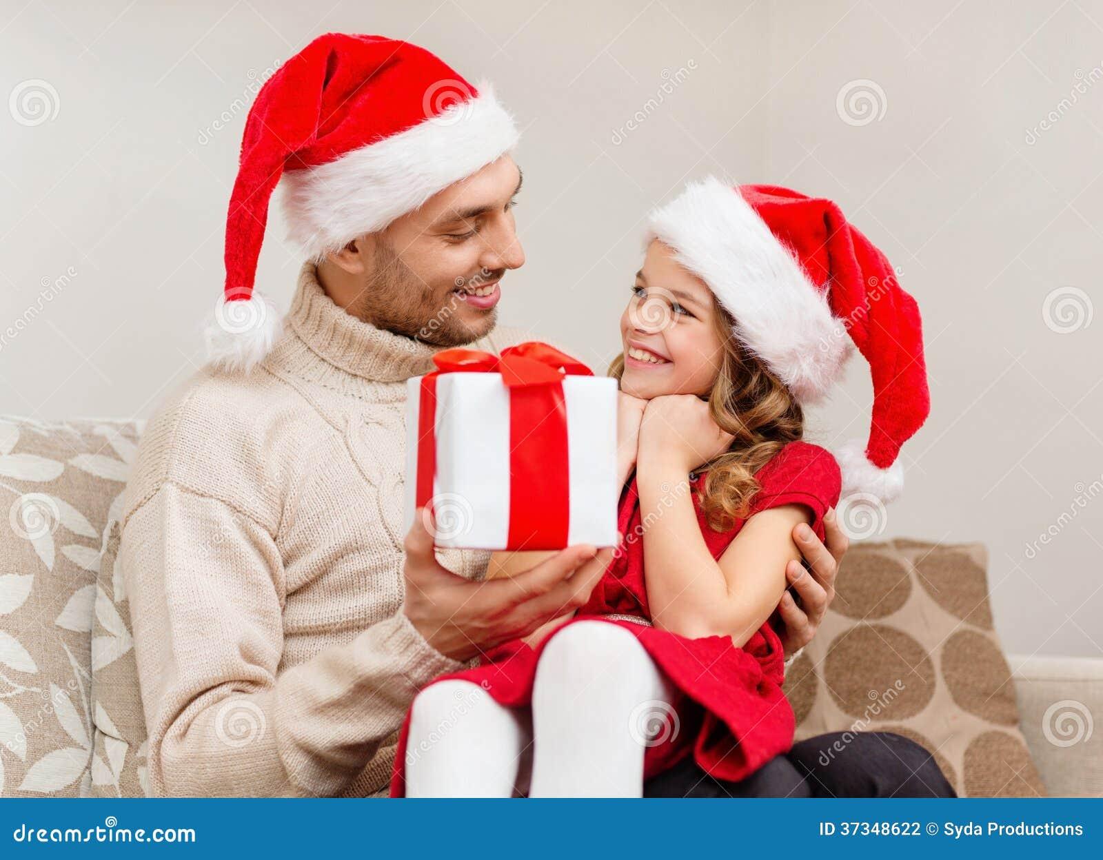 Le fadern som ger dottergåvaasken