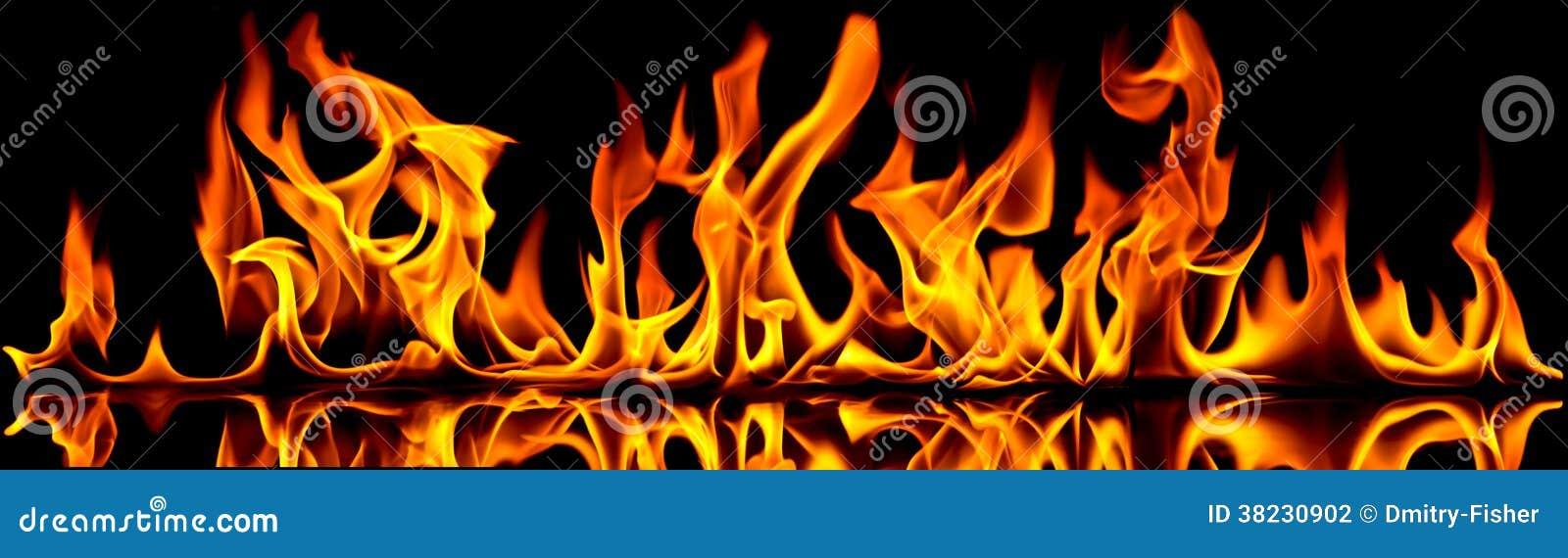 Le feu et flammes.