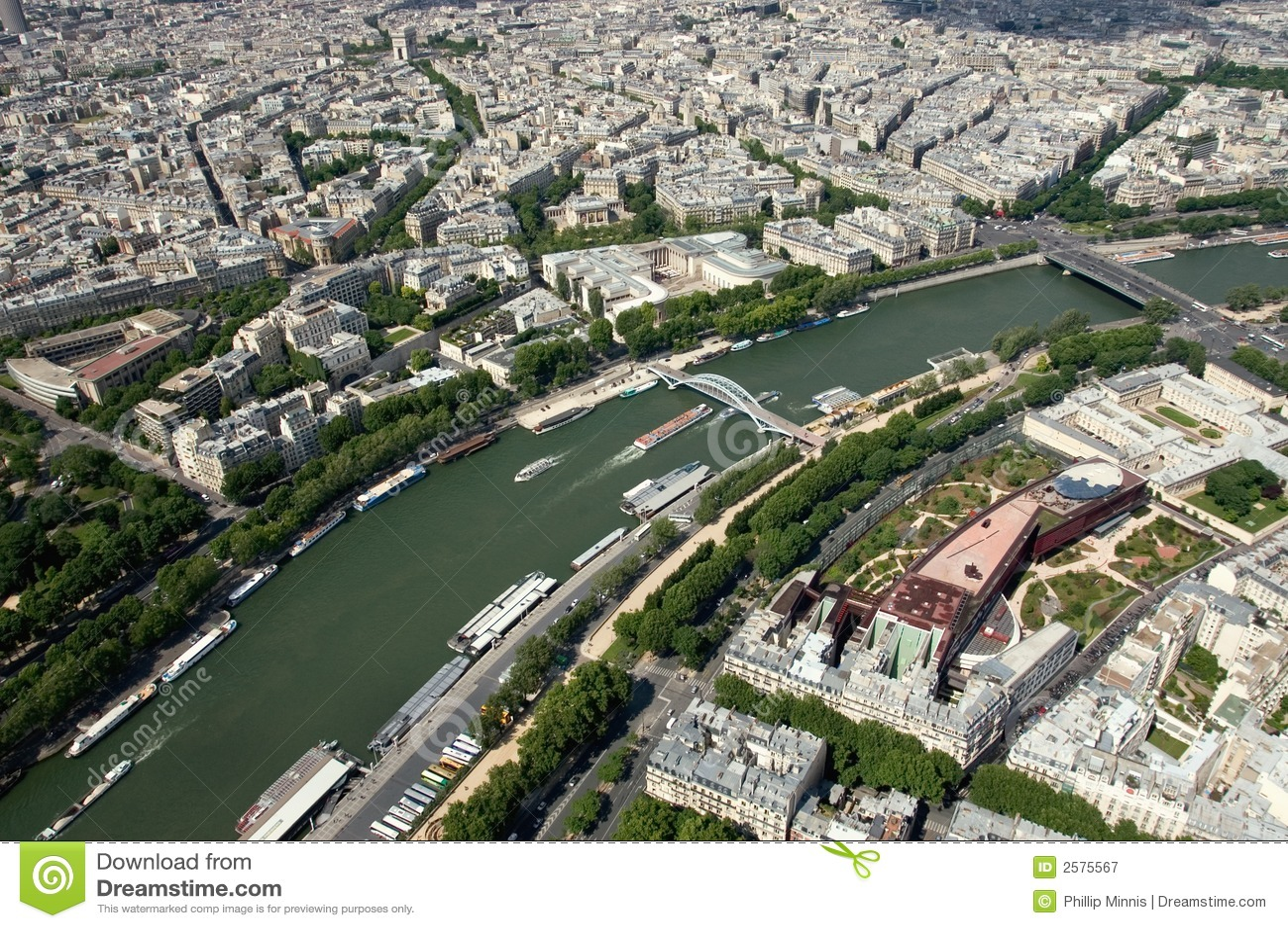 Photographie stock libre de droits: le fleuve seine - paris