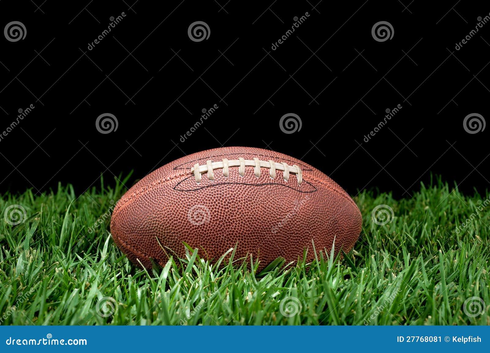 Le football dans l herbe