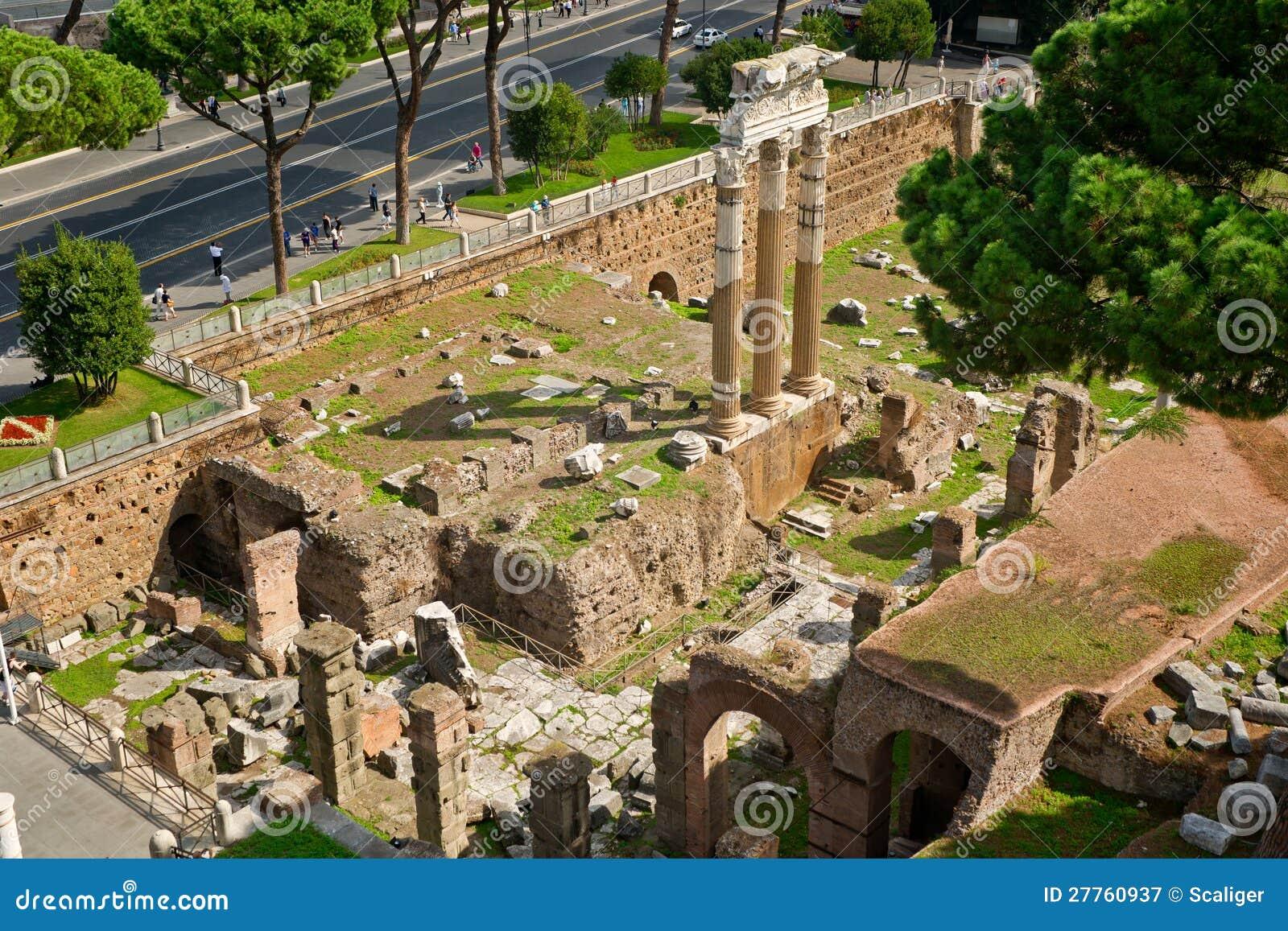 Le forum de Jules César à Rome