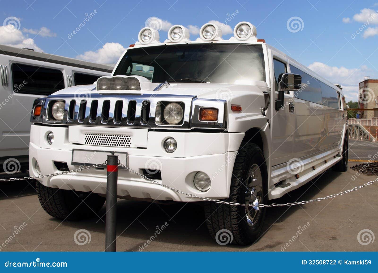 Limousine Con Vasca Da Bagno.Le Grandi Limousine Bianche Fotografia Stock Immagine Di
