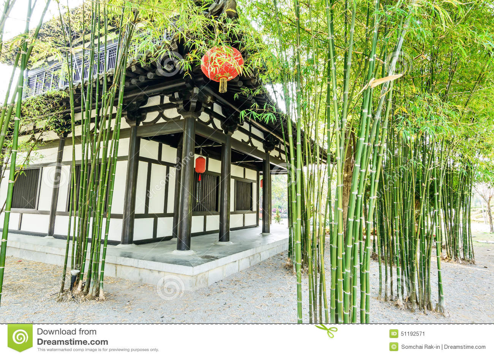 Le jardin et la maison en bambou chinois photo stock for Conception jardin chinois