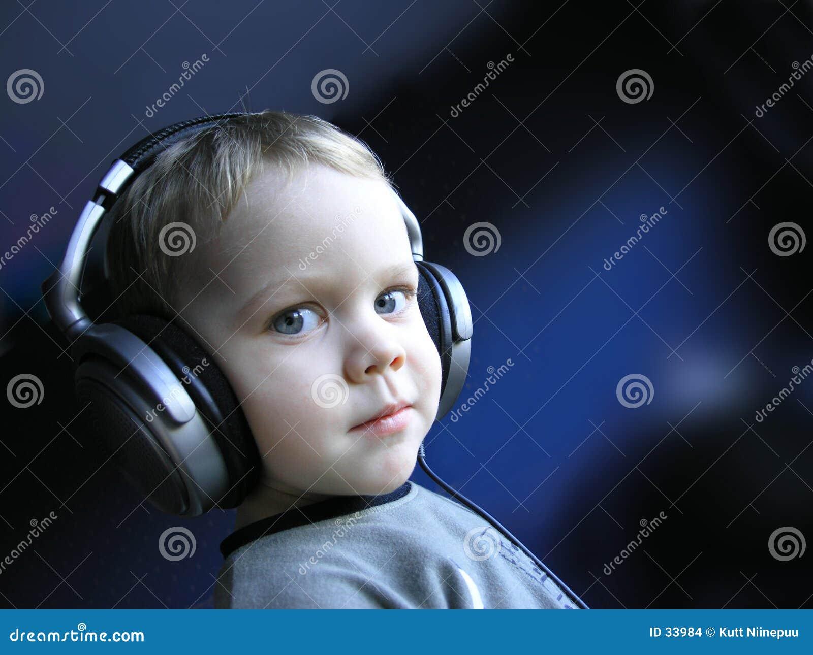 Le jeune DJ 1