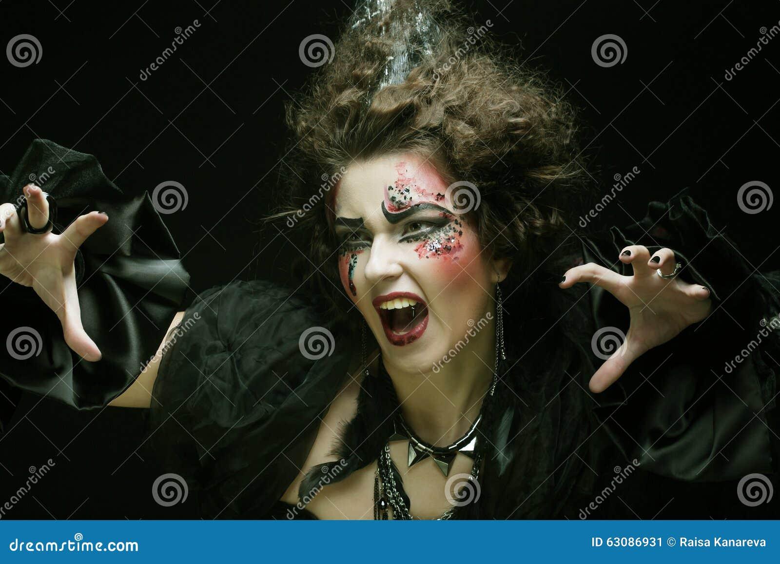 Download Le Jeune Femme Avec Créateur Composent Image stock - Image du beauté, chapeau: 63086931