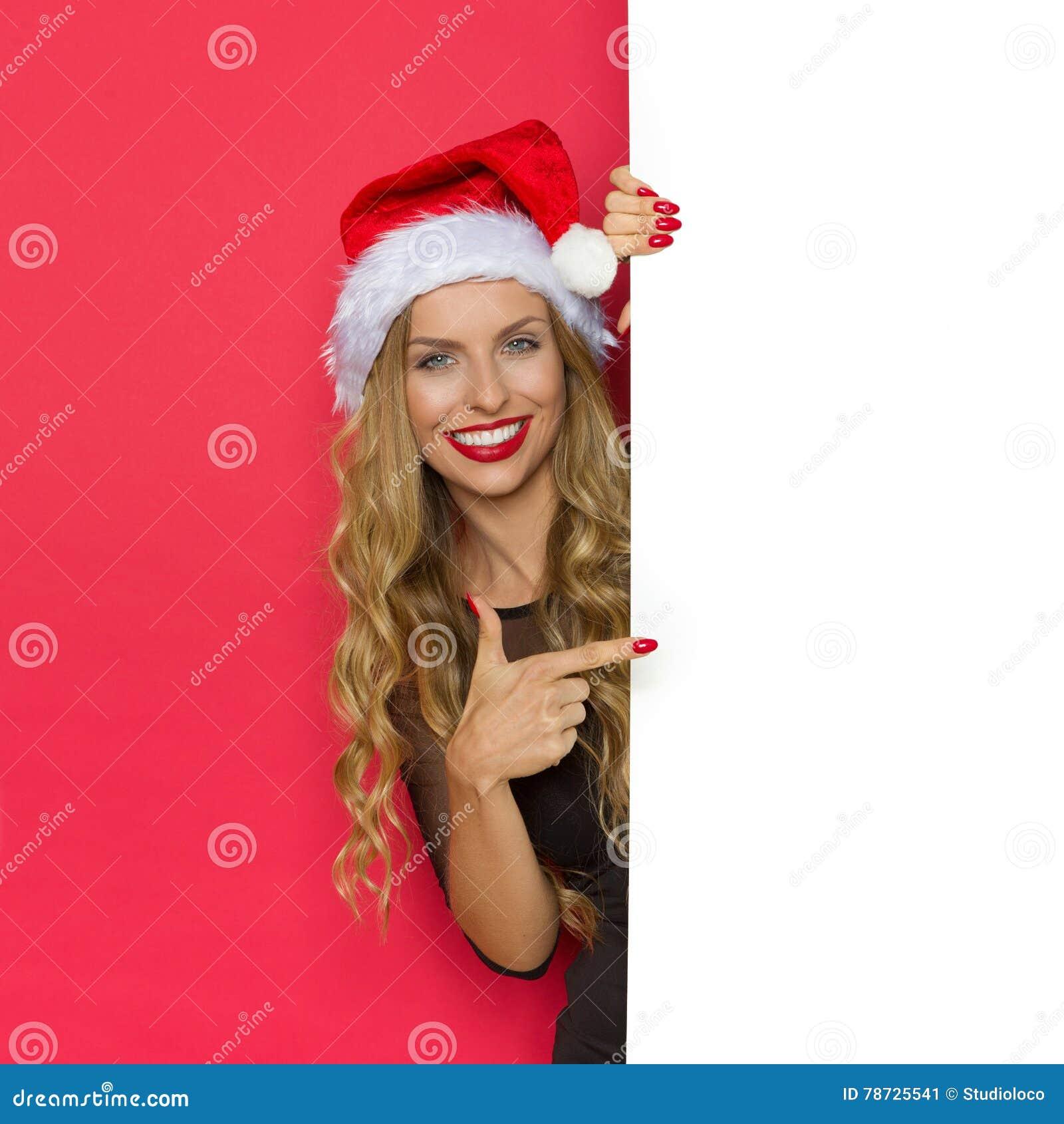 Le julkvinnan som pekar på plakatet