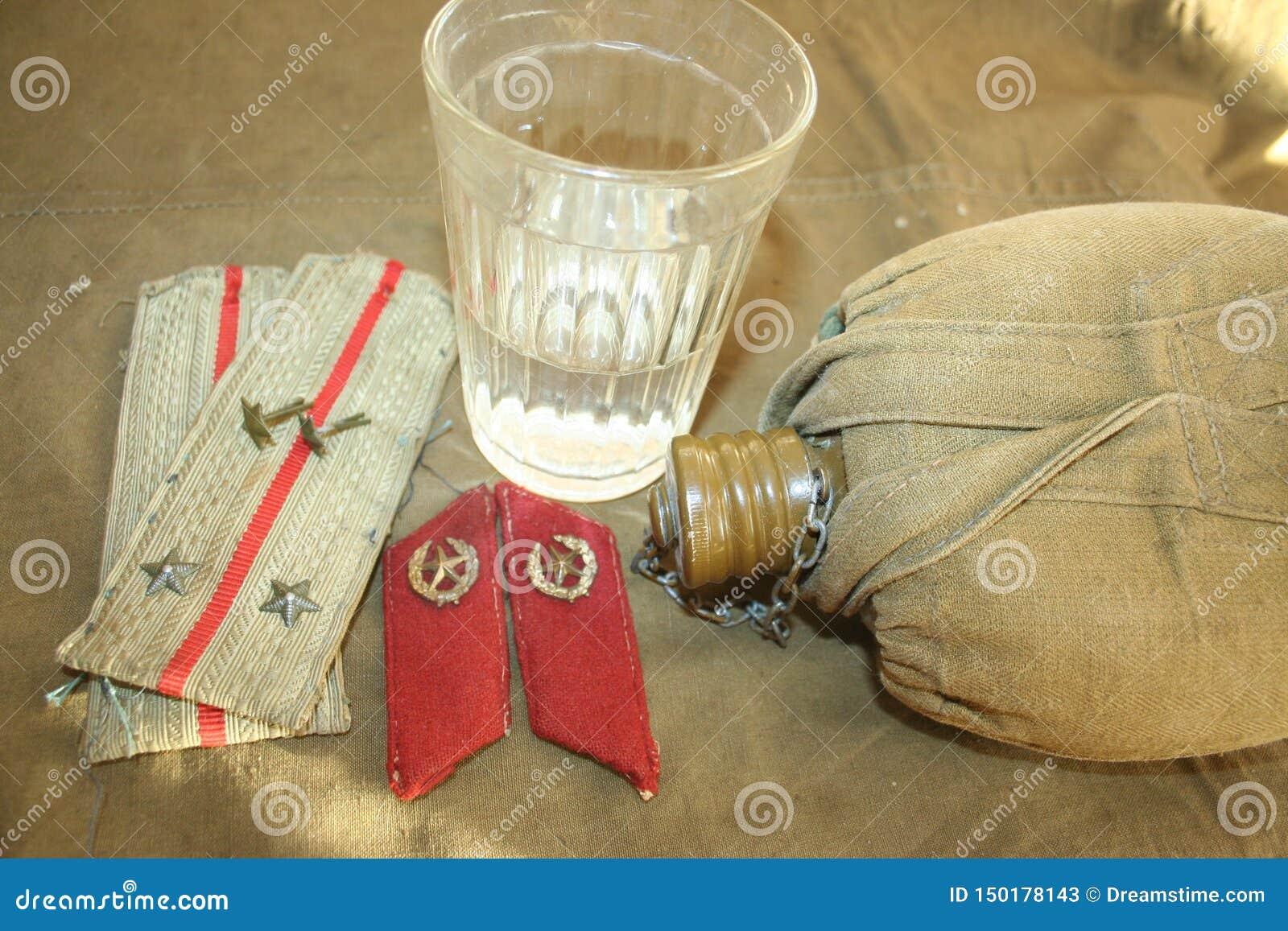 Le lieutenant d infanterie a été attribué le rang du lieutenant supérieur