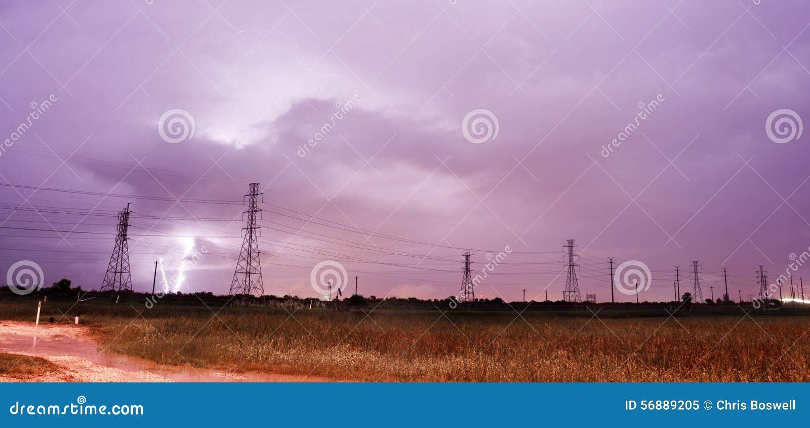Le linee elettriche del fulmine di temporale della tempesta elettrica Galveston è