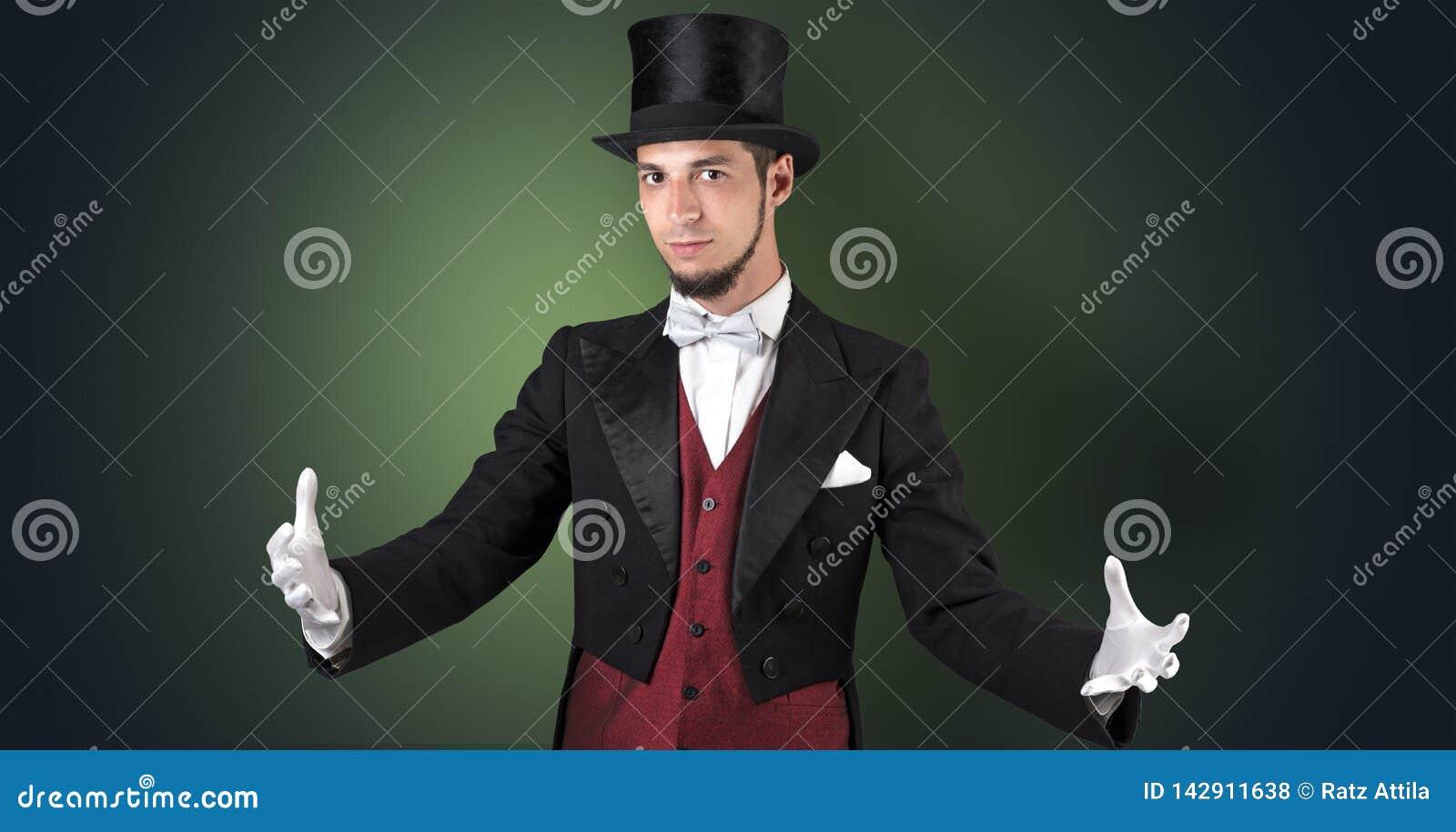 Le magicien juge quelque chose invisible