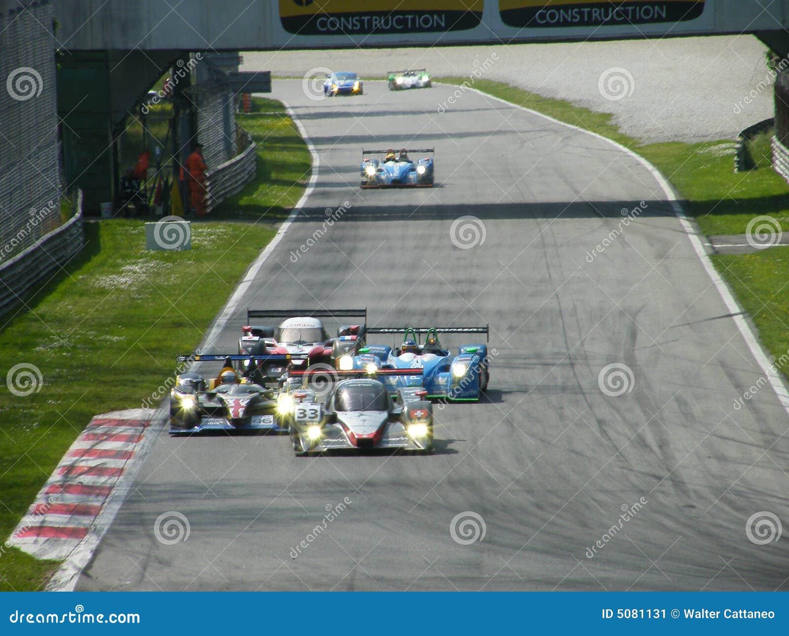 Le mans editorial photo 31873327 for Garage peugeot le mans