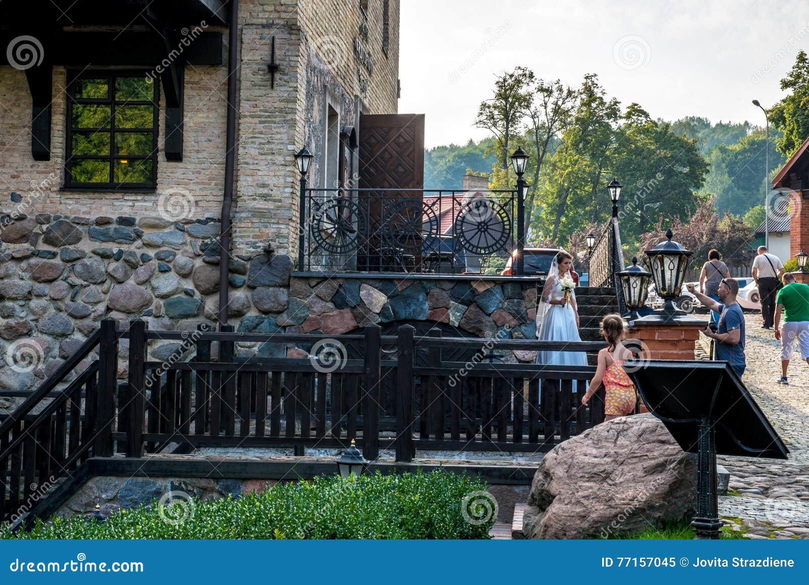 Le mariage de parc de Belmontas est prise