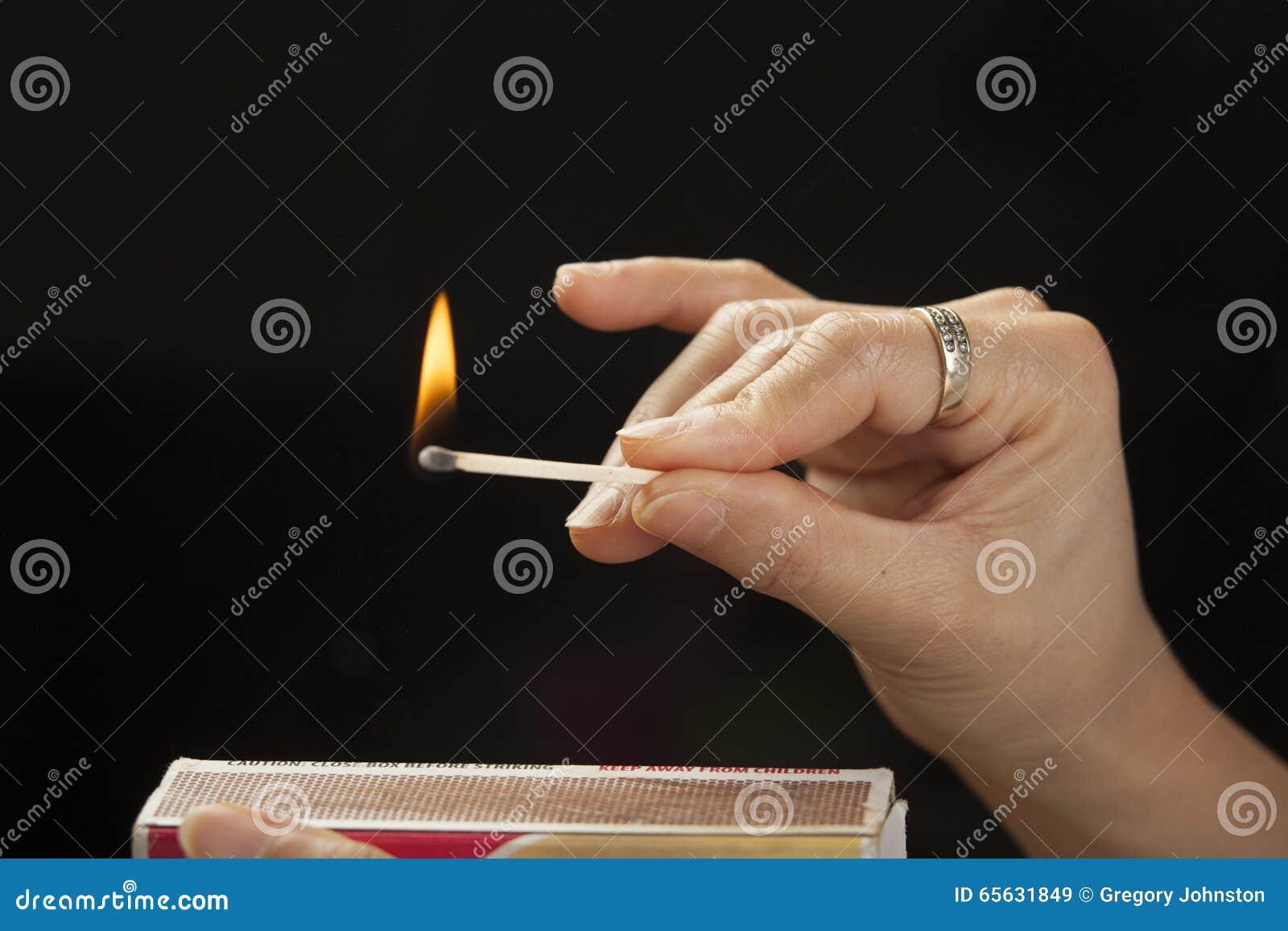Le match brûle après la frappe