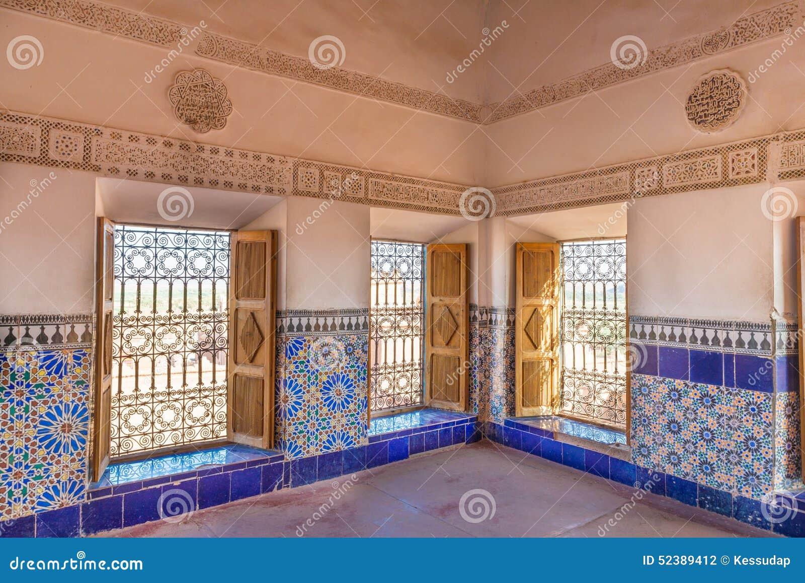 Le mattonelle variopinte di kasbah de taourirt come stile arabo