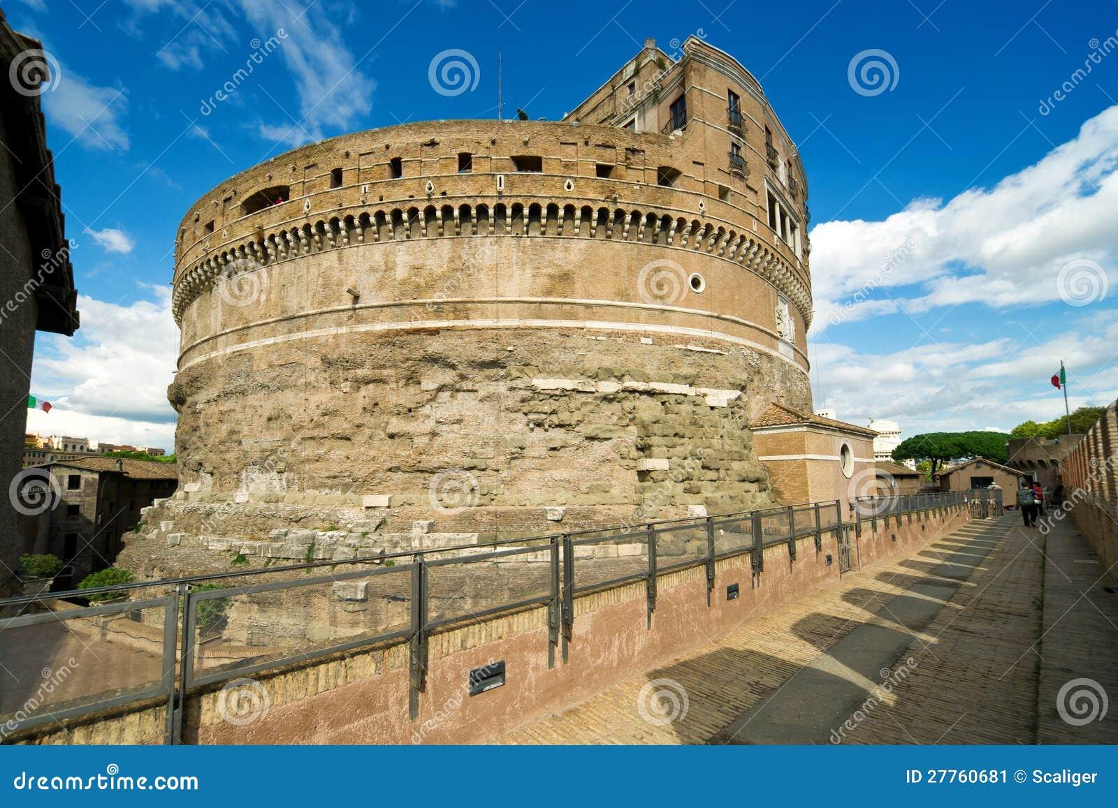 Le mausolée d Adrian d empereur à Rome